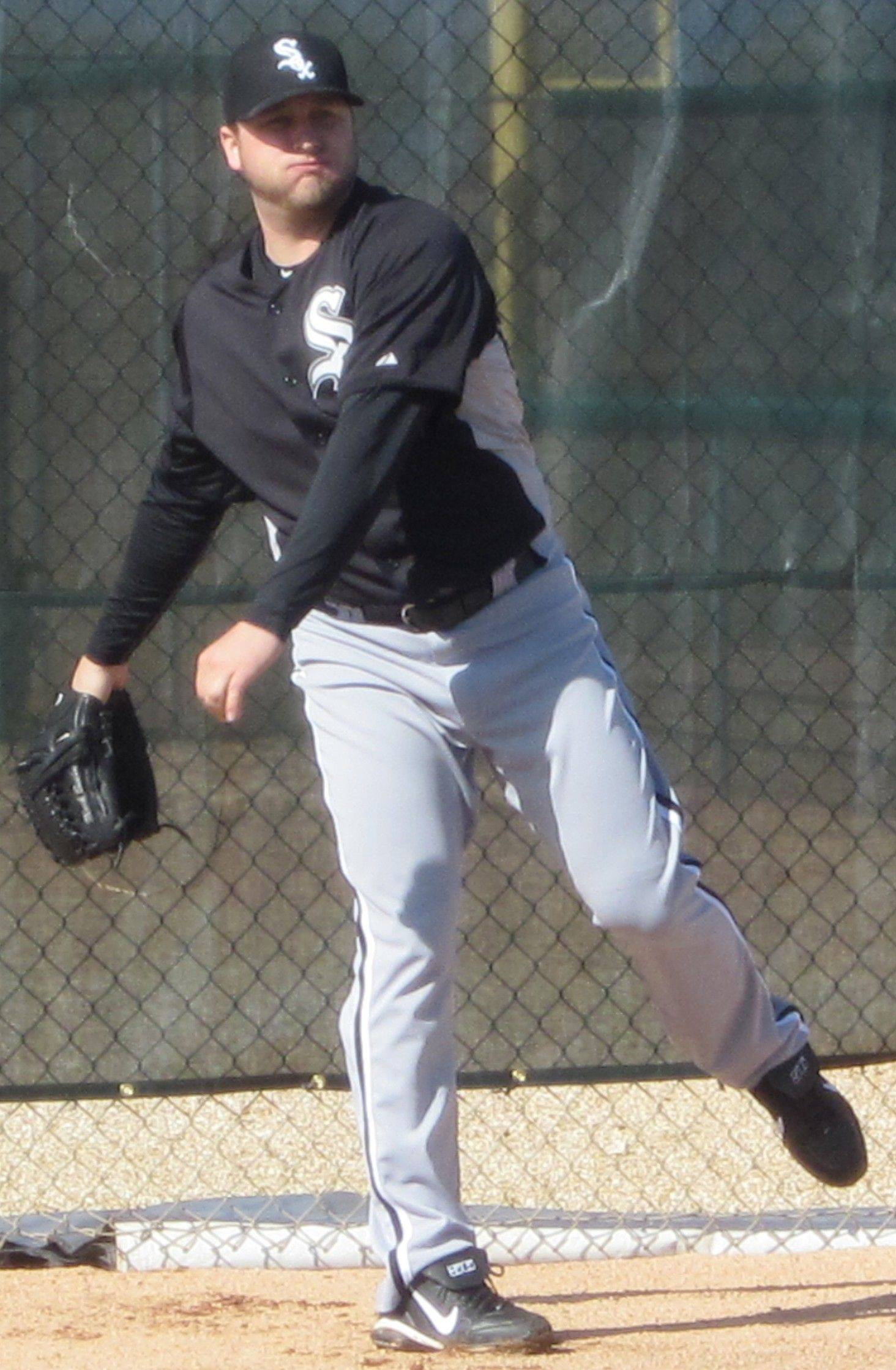 Mark Buehrle gets some work in Monday at the White Sox training facilities in Glendale, Ariz.