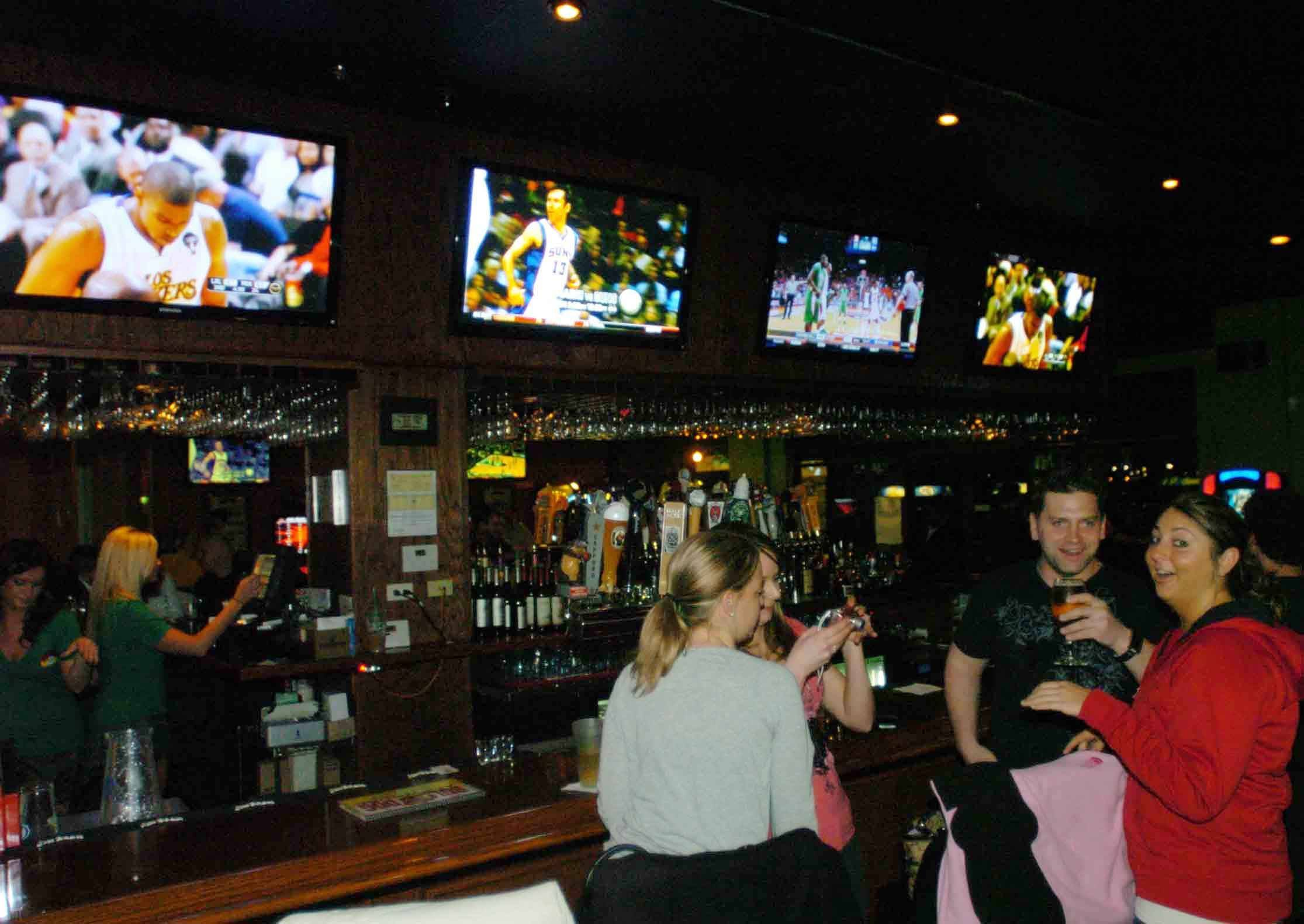 Fans Can Watch An Assortment Of Sporting Events At Bulldog Ale House In  Carol Stream.
