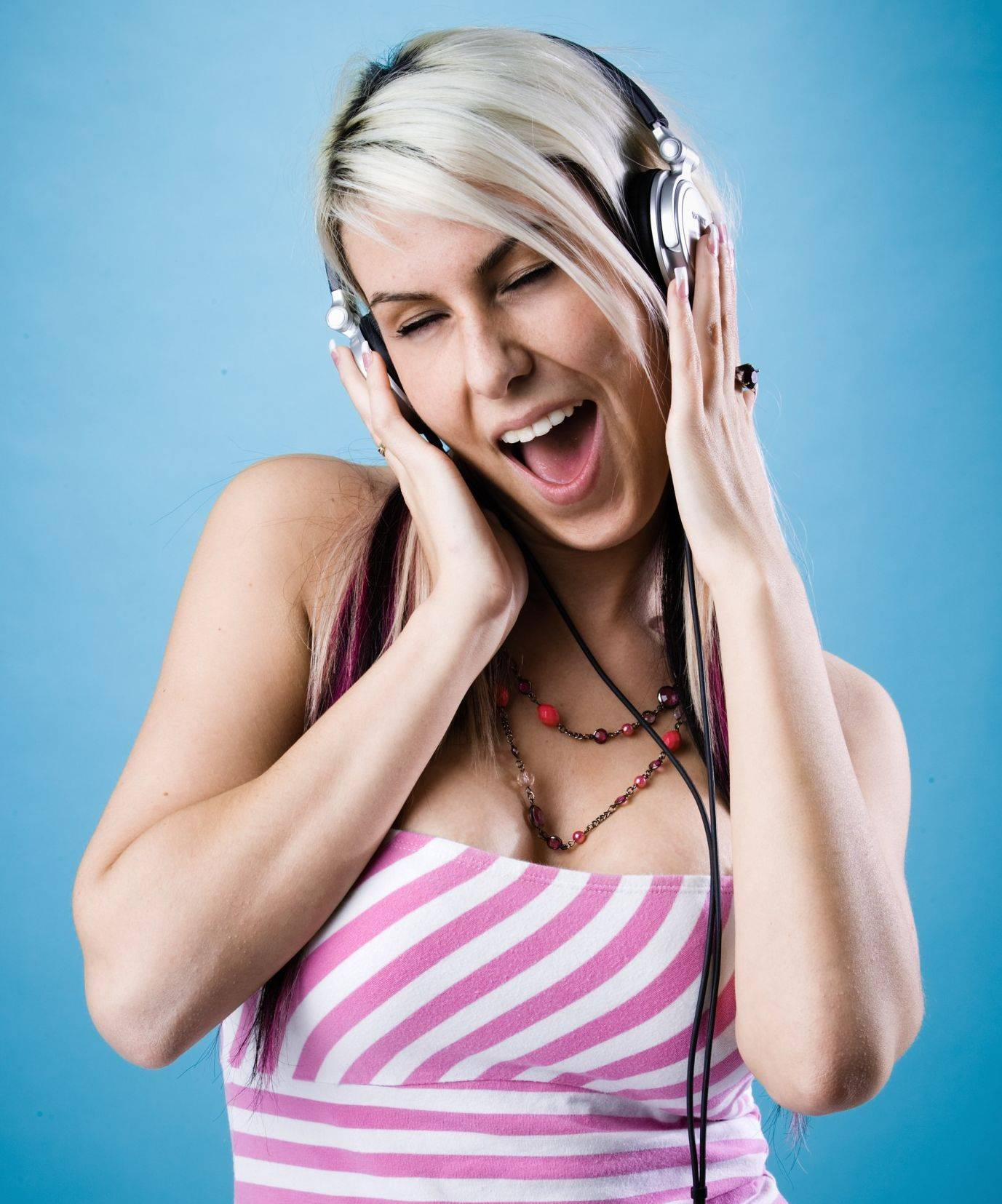 Scientists are finding that listening to music triggers a positive response within our brains.