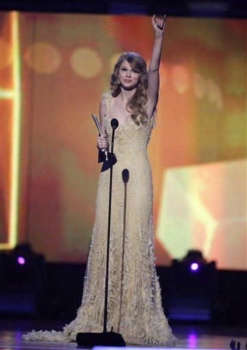 Taylor Swift Miranda Lambert Top Acm Awards