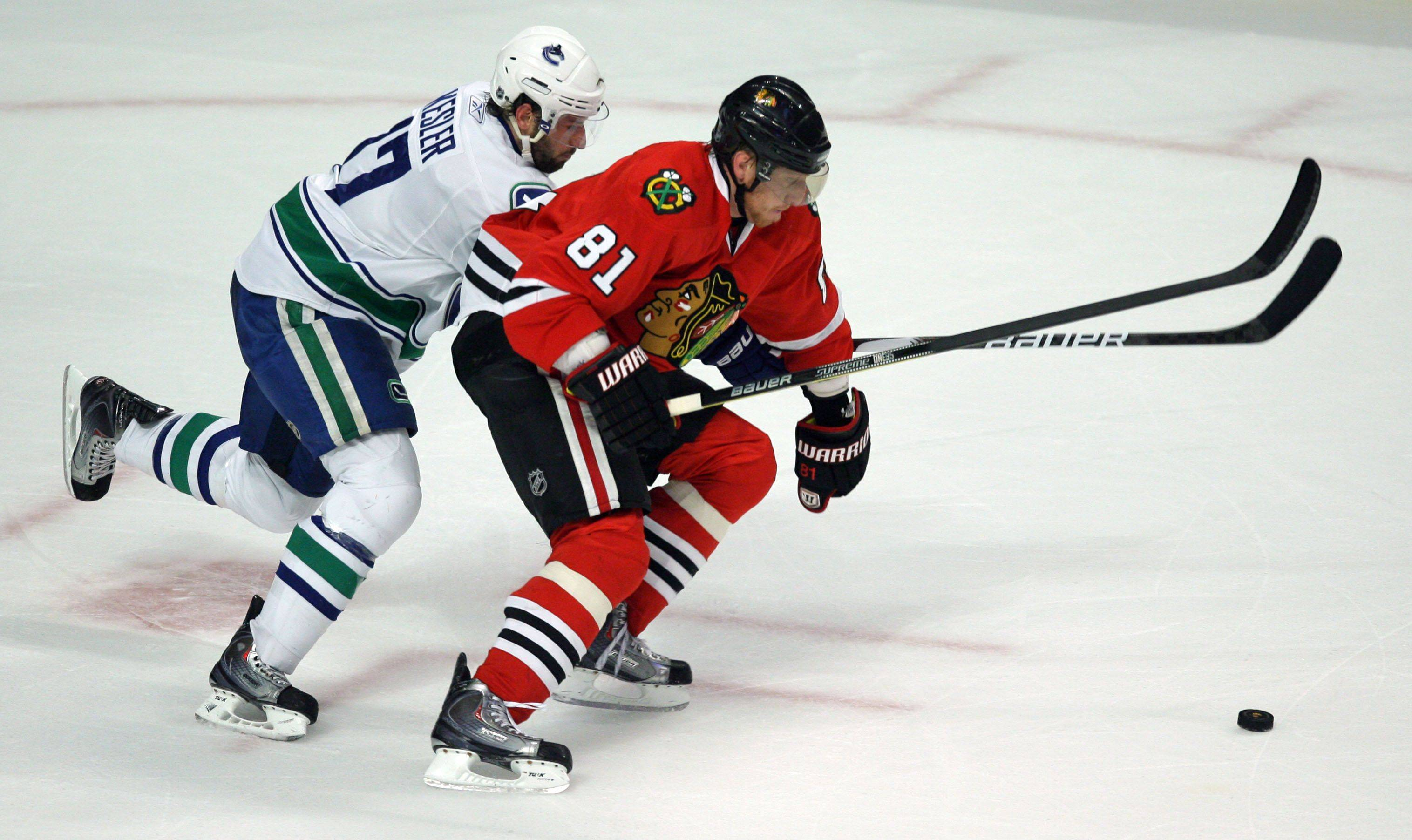 Blackhawks vs. Canucks: Who has the edge?