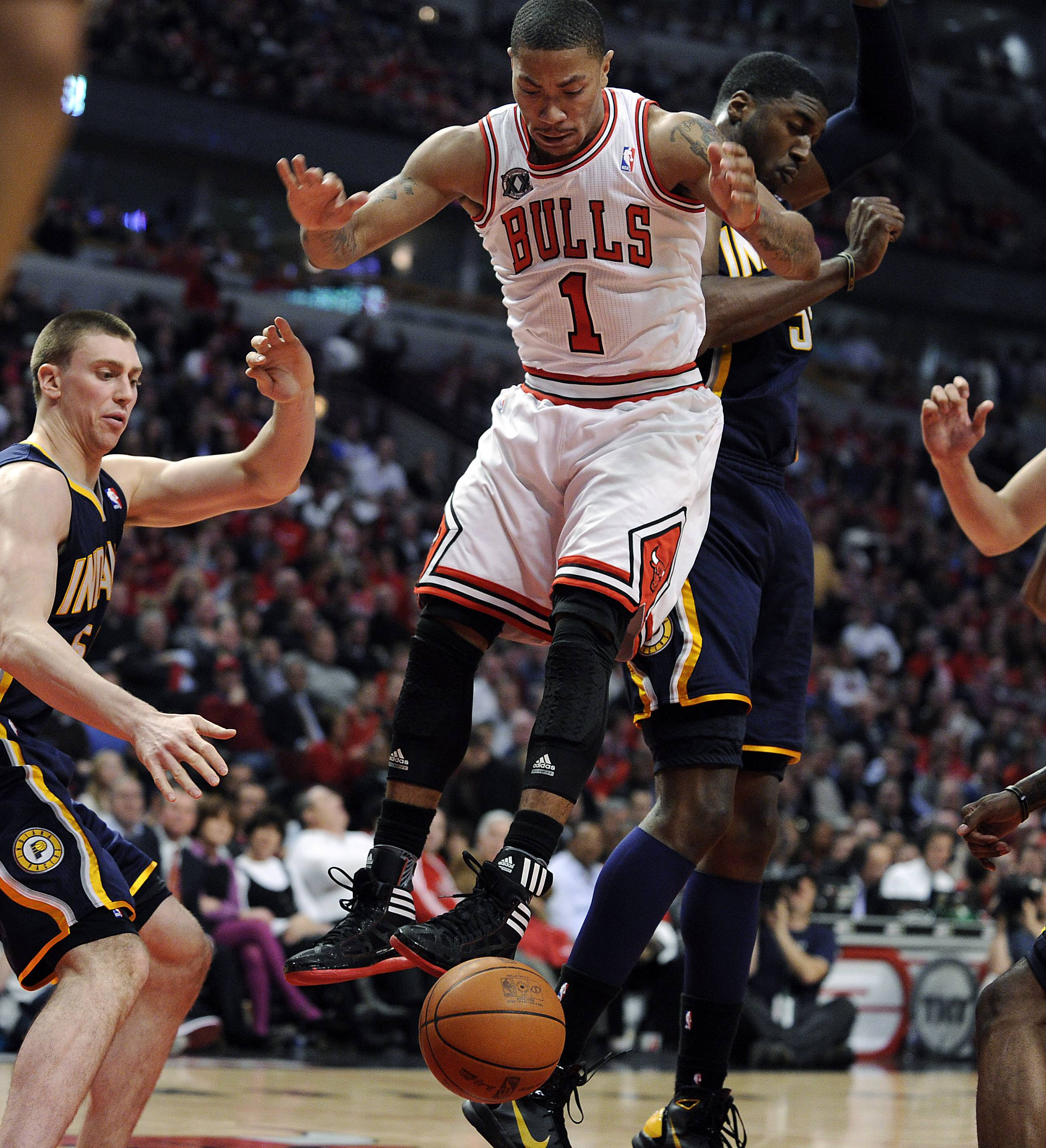 Derrick  Rose piled up 36 points, 8 rebounds and 6 assists to lead the Bulls to a 96-90 victory and a 2-0 series lead against the pesky Pacers.