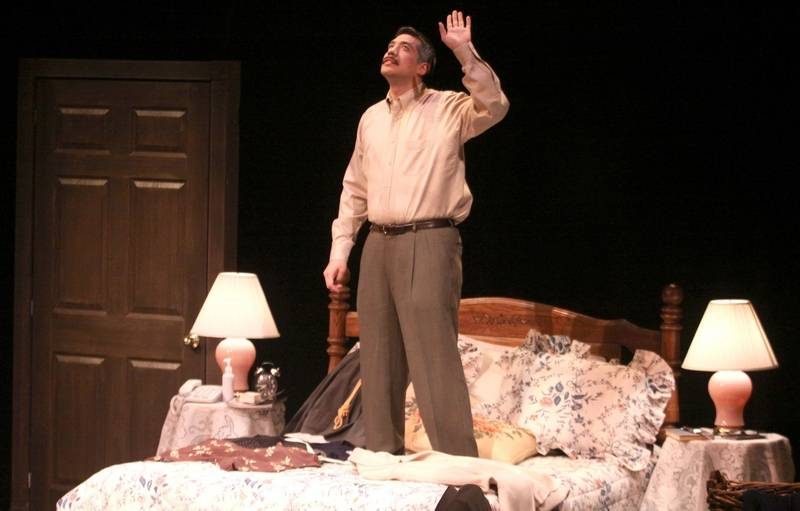 39 bedroom farce 39 opens at ecc for Farcical comedy plays