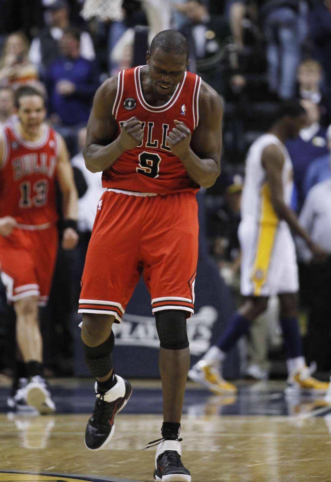 Chicago Bulls' Luol Deng (9) reacts during the final seconds in the second half.