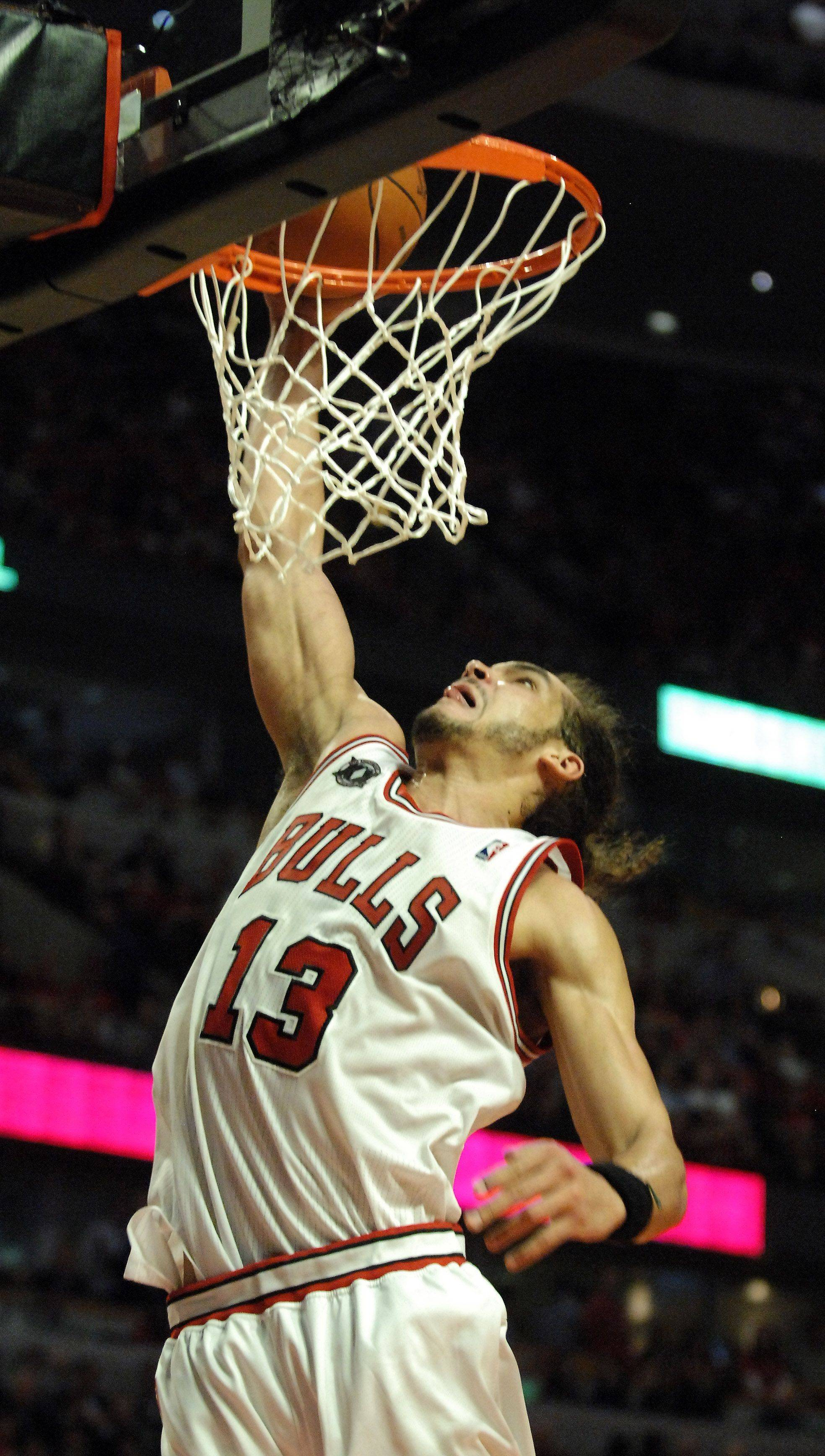 Rick West/rwest@dailyherald.comBulls center Joakim Noah dunks during Game 5 Tuesday night at the United Center.