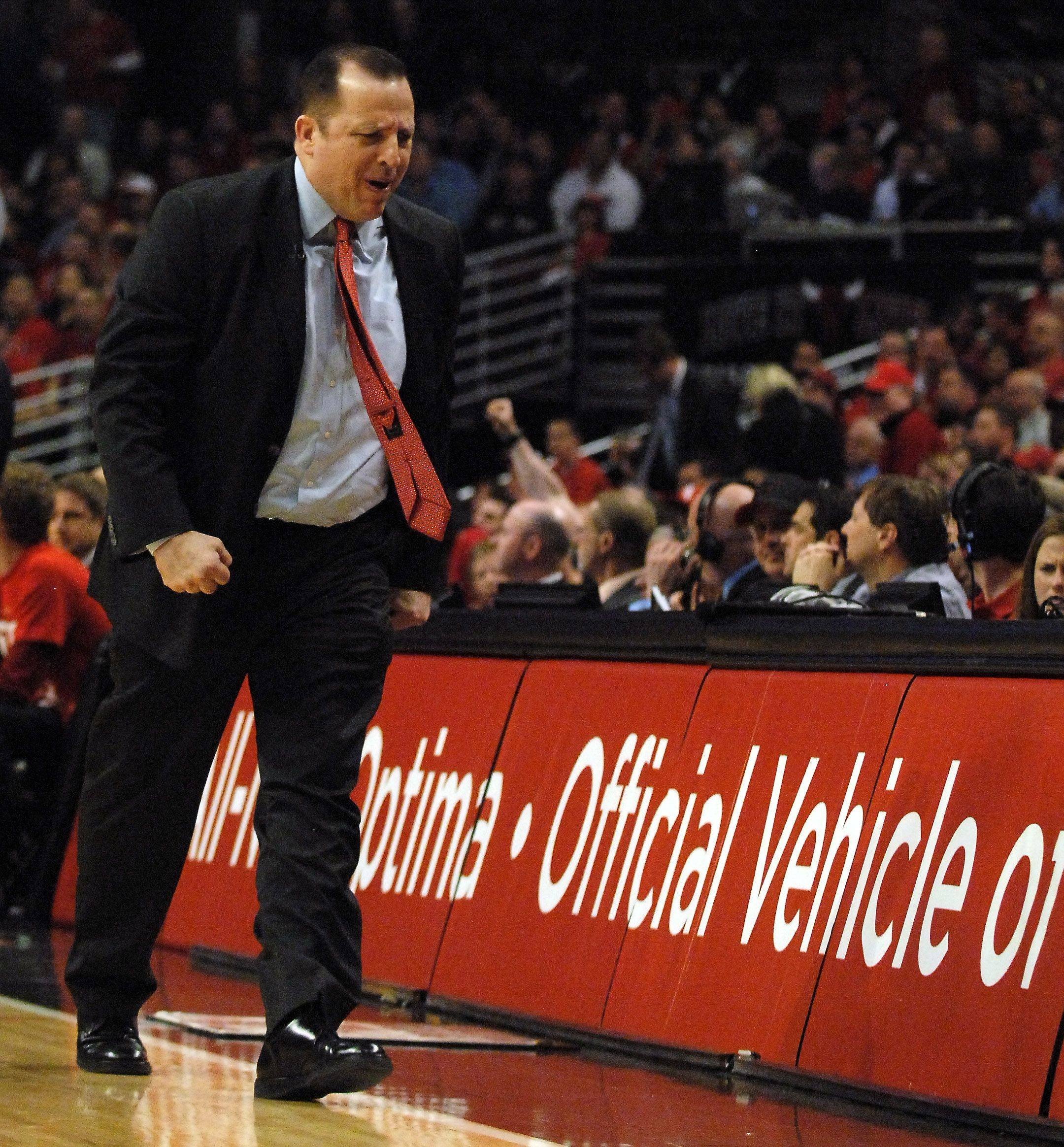 Head coach Tom Thibodeau stomps toward the bench after a foul is called against the Bulls in Chicago Tuesday.