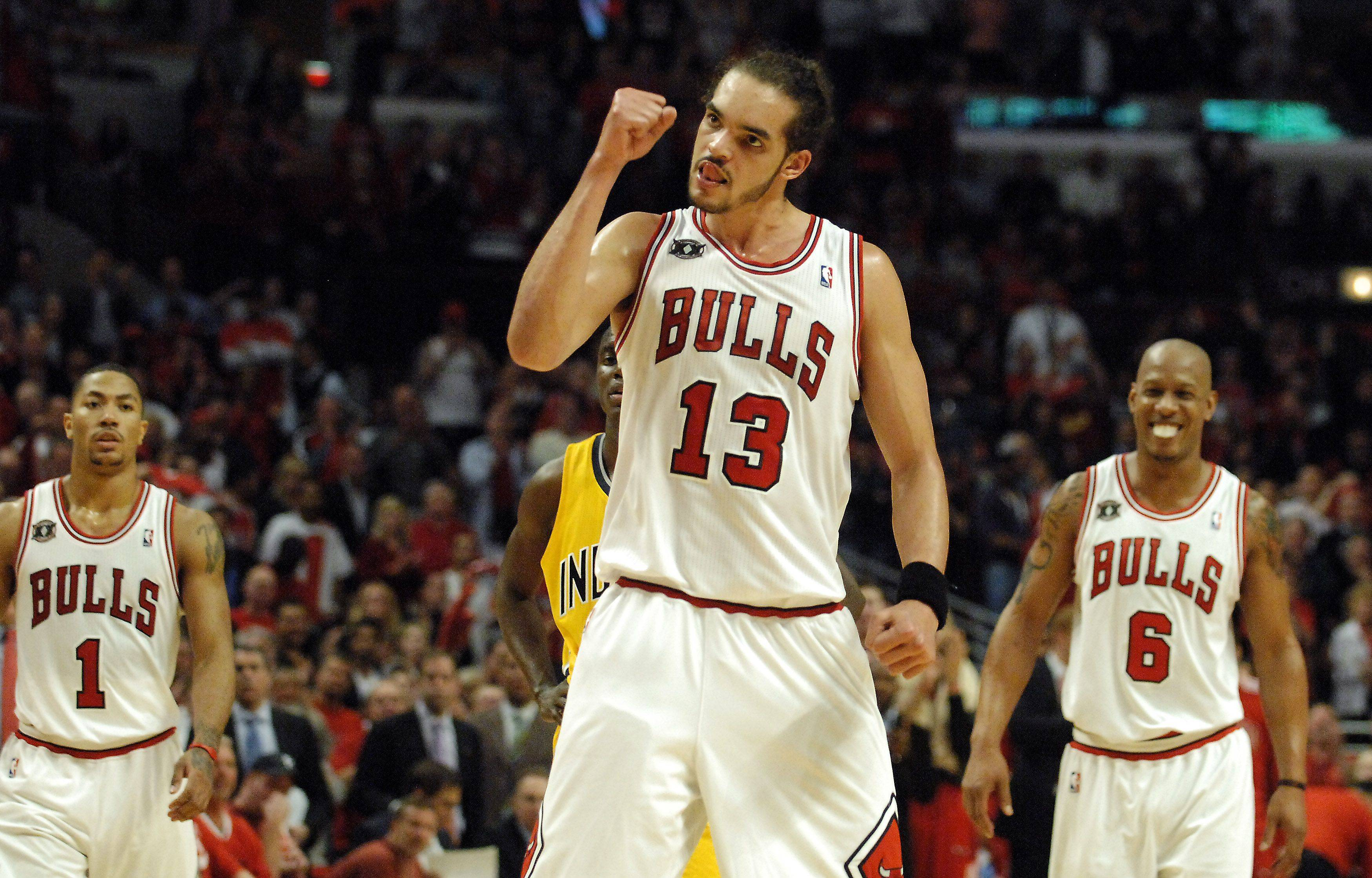 Joakim Noah gives a fist pump after sinking 2 free throws during game 5 Tuesday.