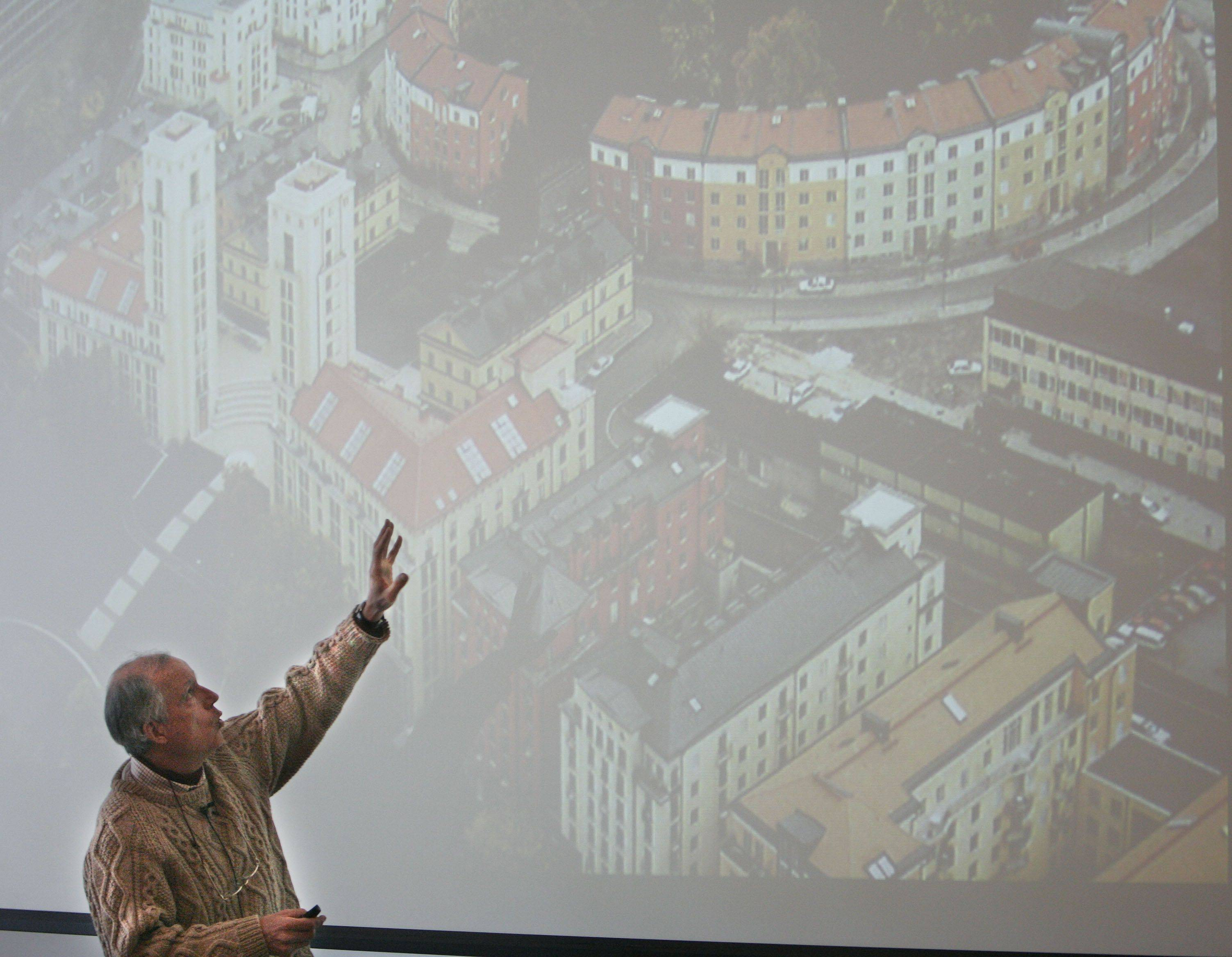 Randall Arendt, a landscape planner and author, addressed conservation issues in his speech for GreenTown 2011, a one-day conference on sustainability in Elgin Thursday.
