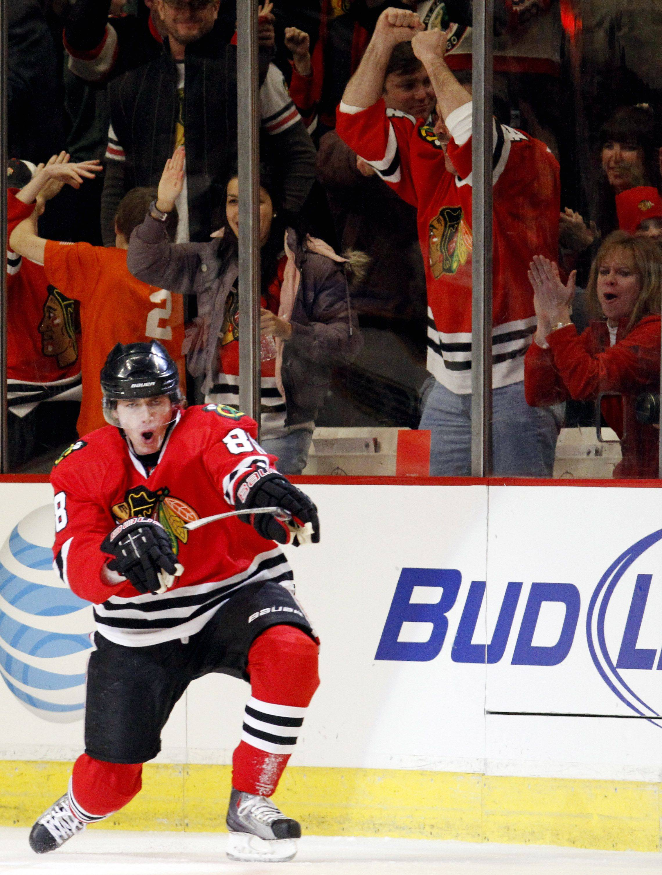While some Blackhawks fans would like to see the team trade Patrick Kane, he's a point-a-game scorer who's only going to get better and better and it would be foolish to trade him, says veteran sportswriter Tim Sassone.