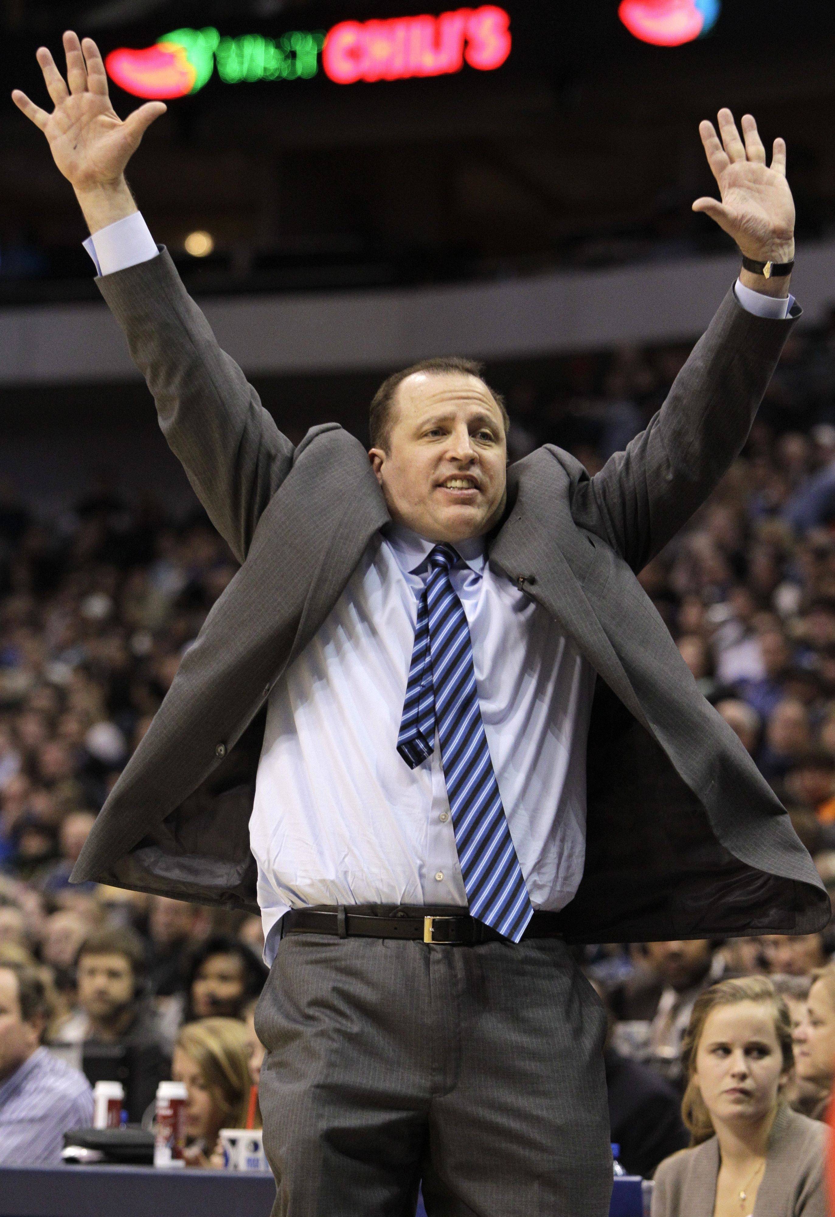 Tom Thibodeau reacts to play late in the game against the Dallas Mavericks.