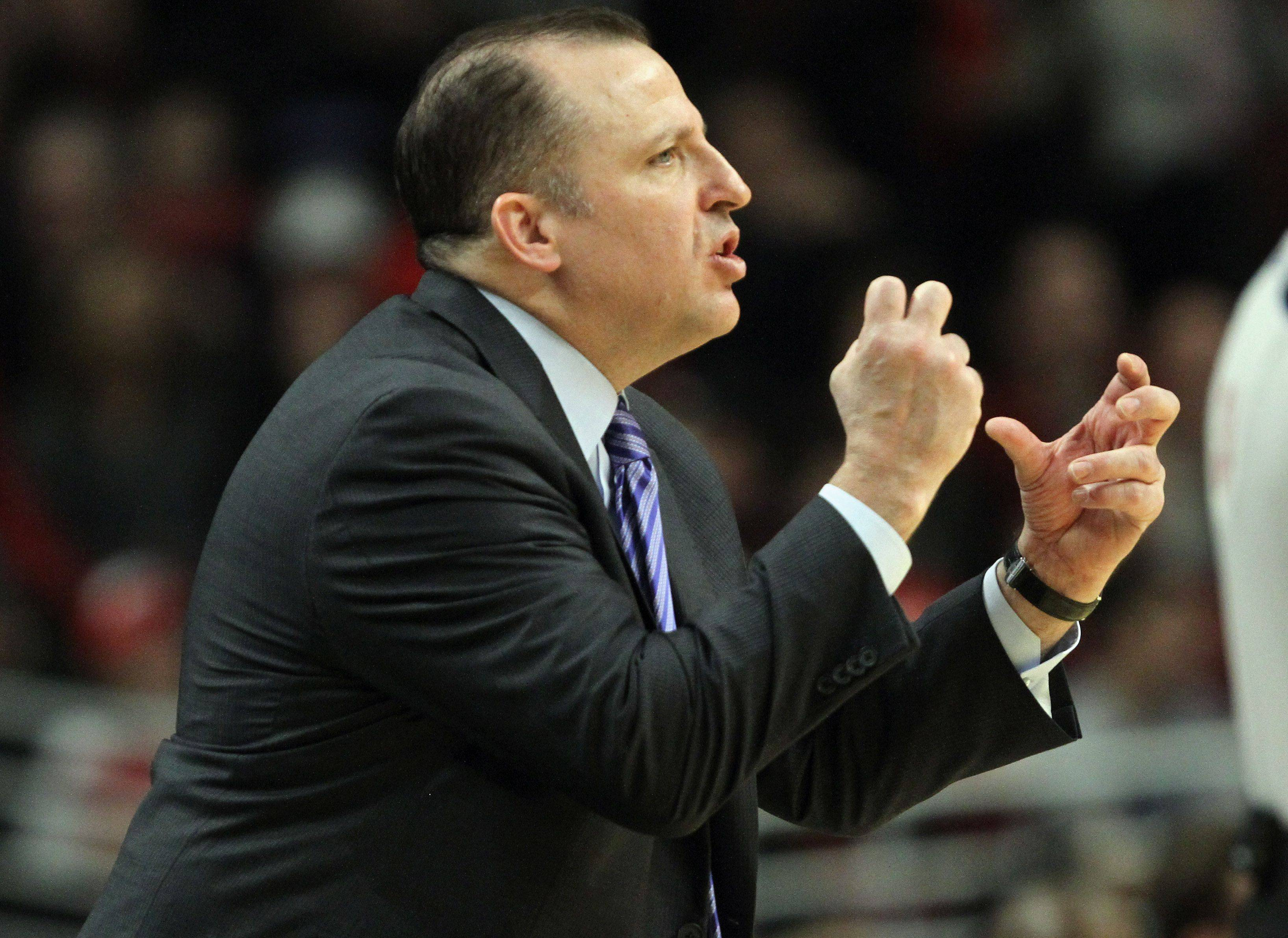 Bulls' head coach Tom Thibodeau shouts out instructions during a game against the Milwaukee Bucks.