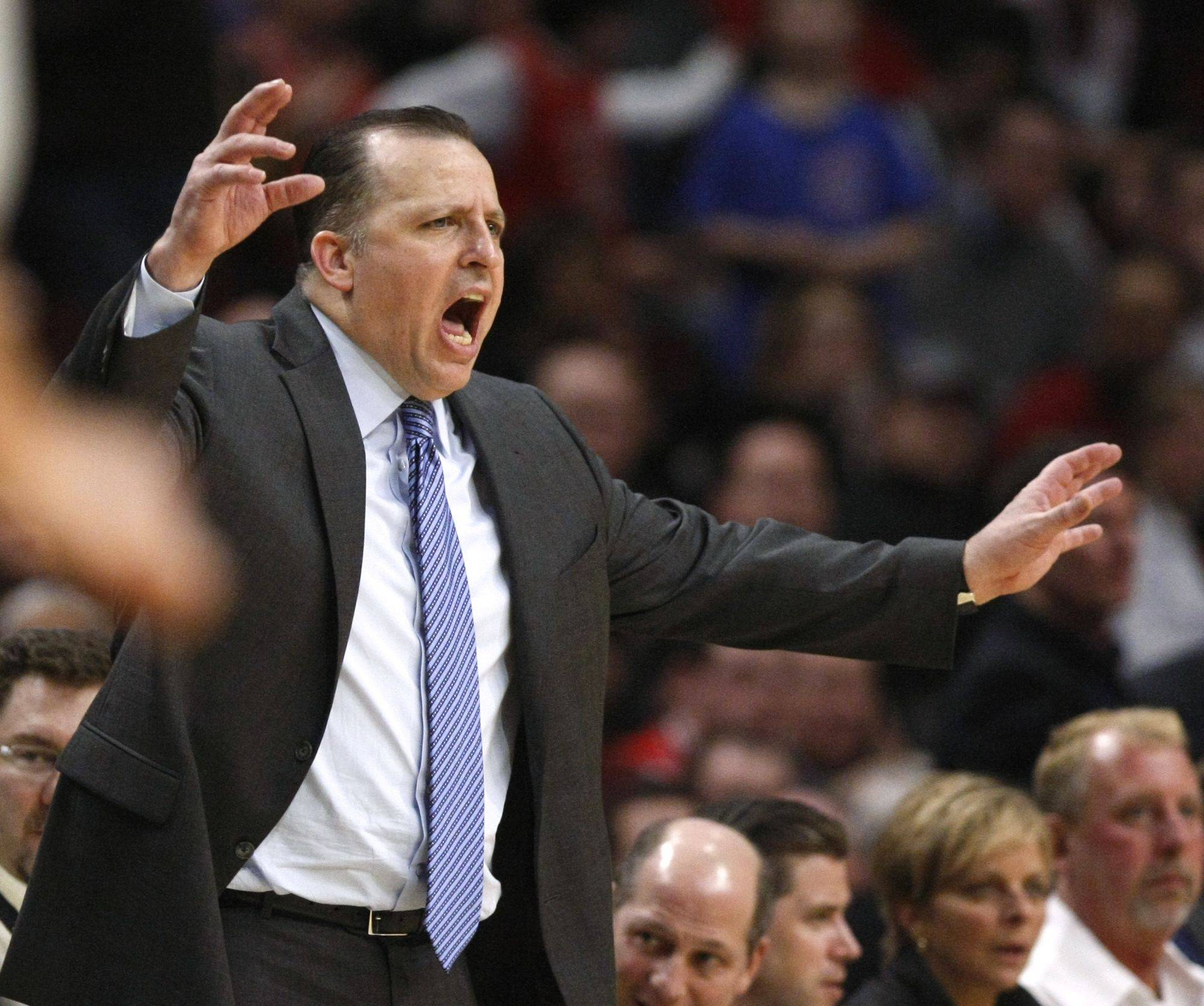 Tom Thibodeau yells to his team during a game against the San Antonio Spurs.