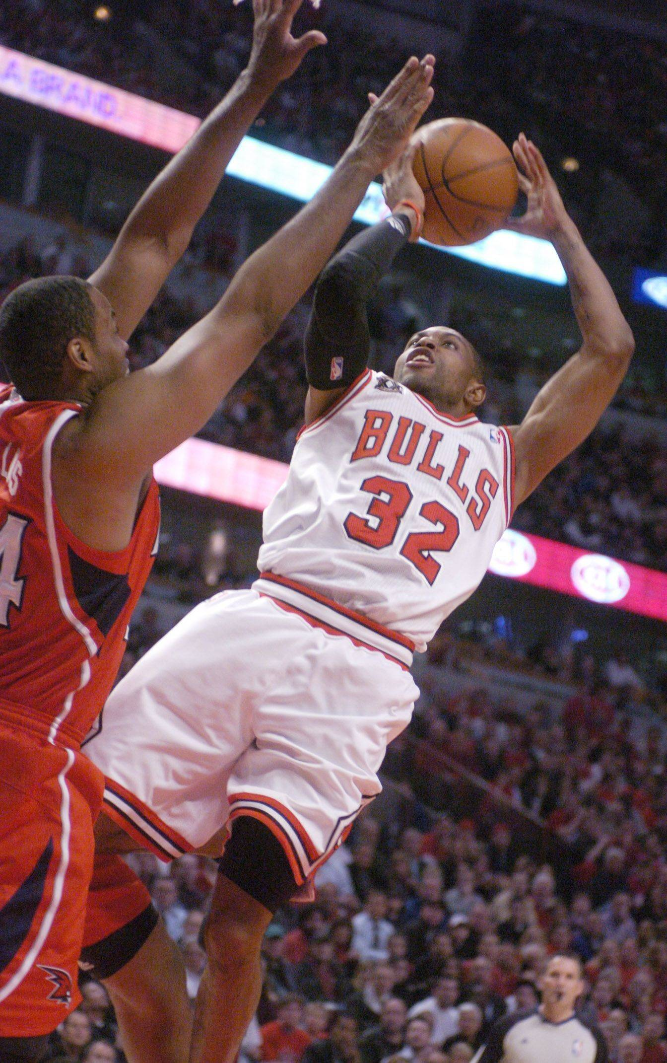 C.J. Watson goes hard to the basket Monday at the United Center.
