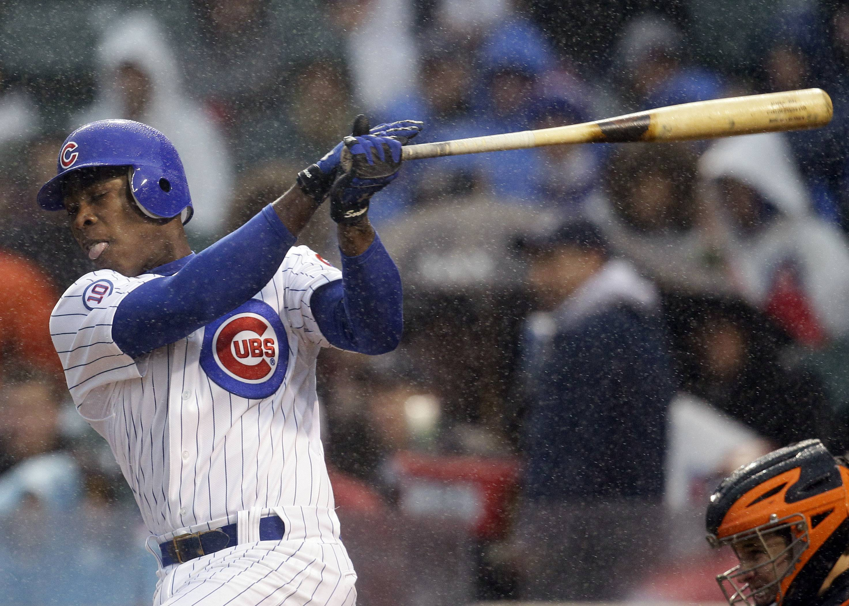 Giants top Cubs 3-0 in rain-shortened game