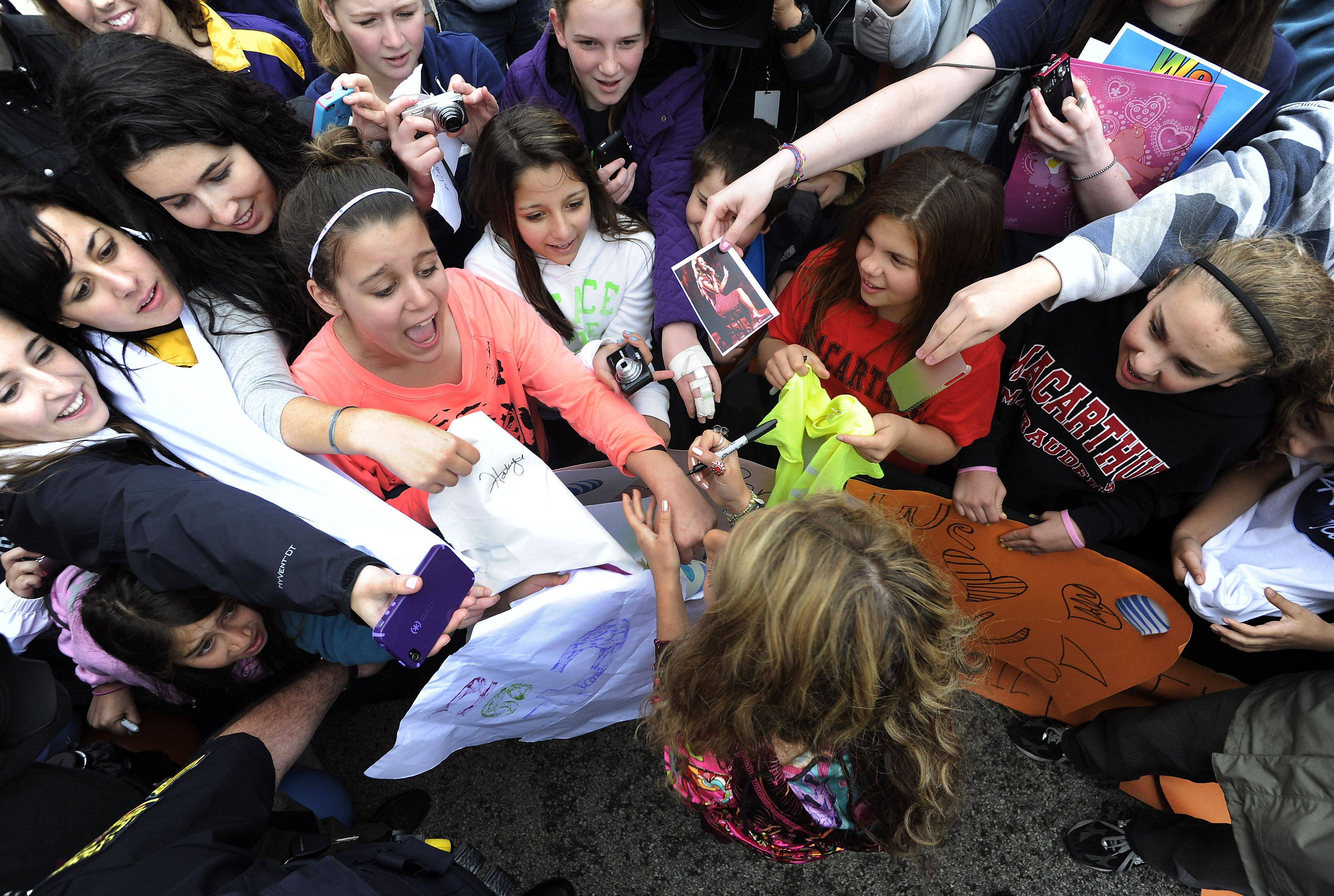 "Haley Reinhart greets her fans at the AT&T store in Deer Park on Saturday as part of her ""American Idol"" hometown tour."