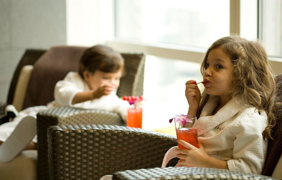 "Photo courtesy of Trump International Hotel & TowerKids can sip kiddie cocktails while sitting in spa robes with the new ""Kids in the City"" package from Trump International Hotel & Tower in Chicago"