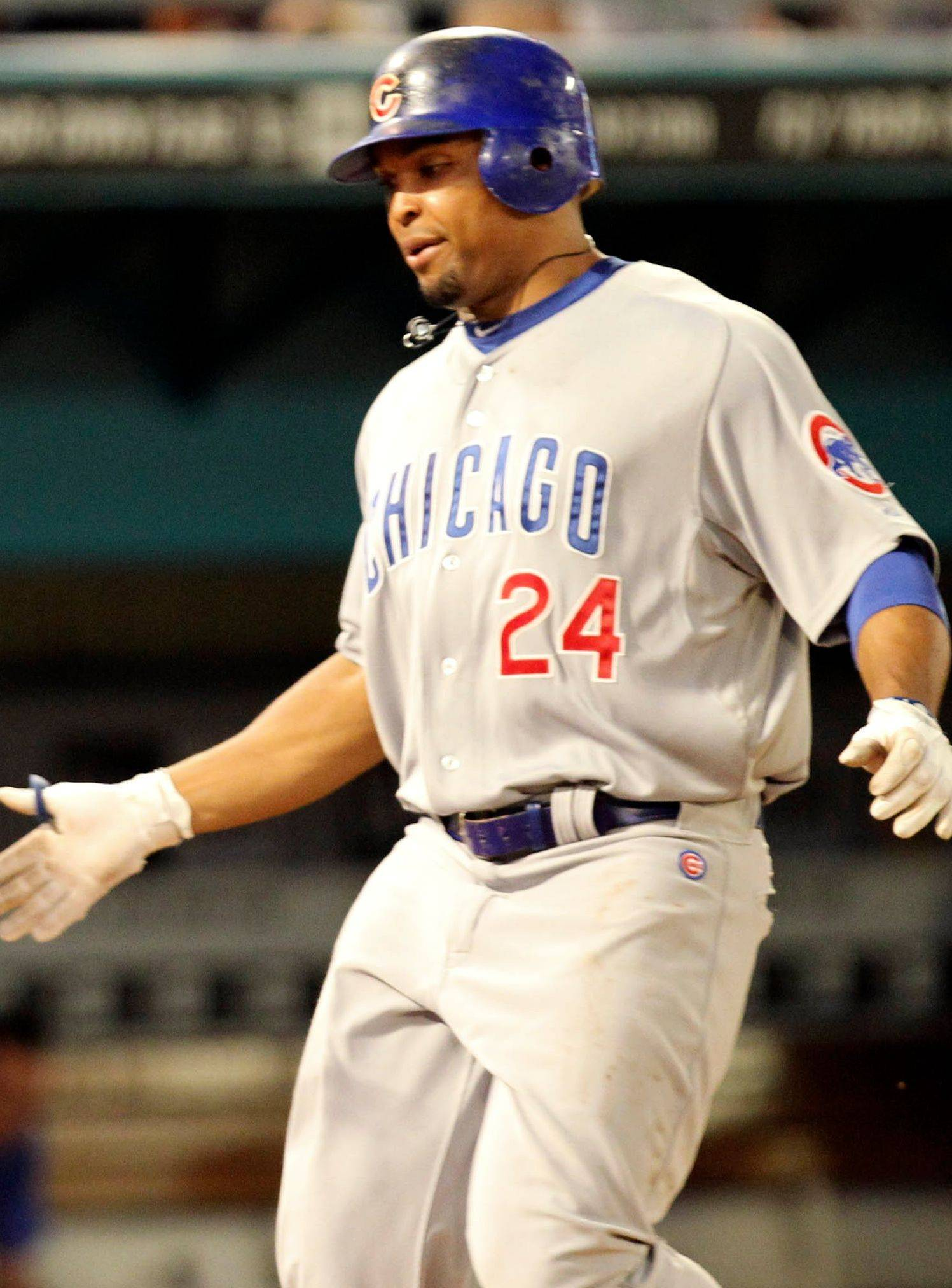 Marlon Byrd comes home after a two-run dinger in the fourth.