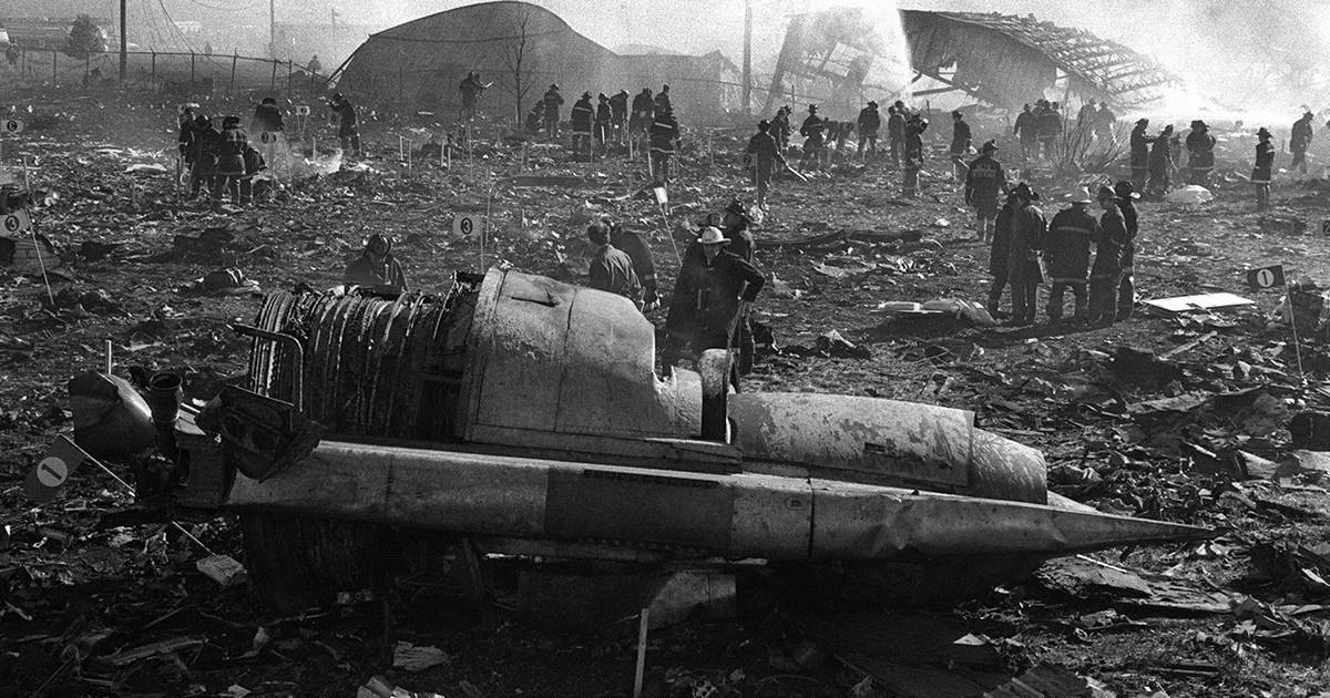 Images The Crash Of Flight 191