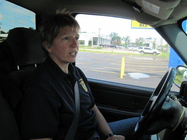 McHenry County sheriff's Sgt. Karen Groves is on the lookout for distracted drivers.