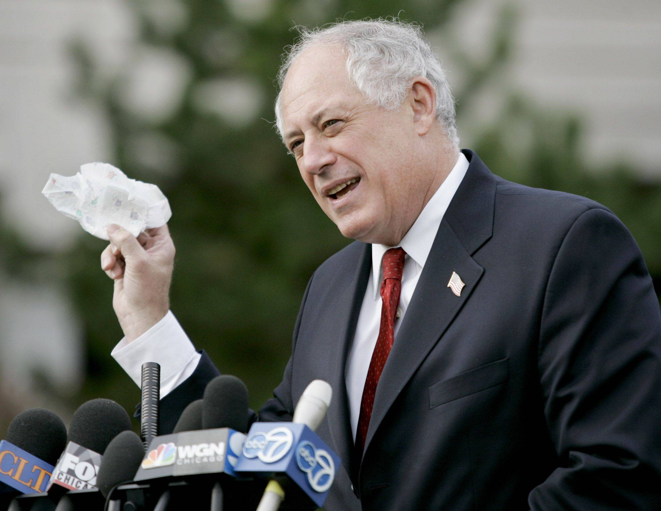 Gov. Pat Quinn has threatened to veto an electric rate increase passed by the Illinois Senate Tuesday.