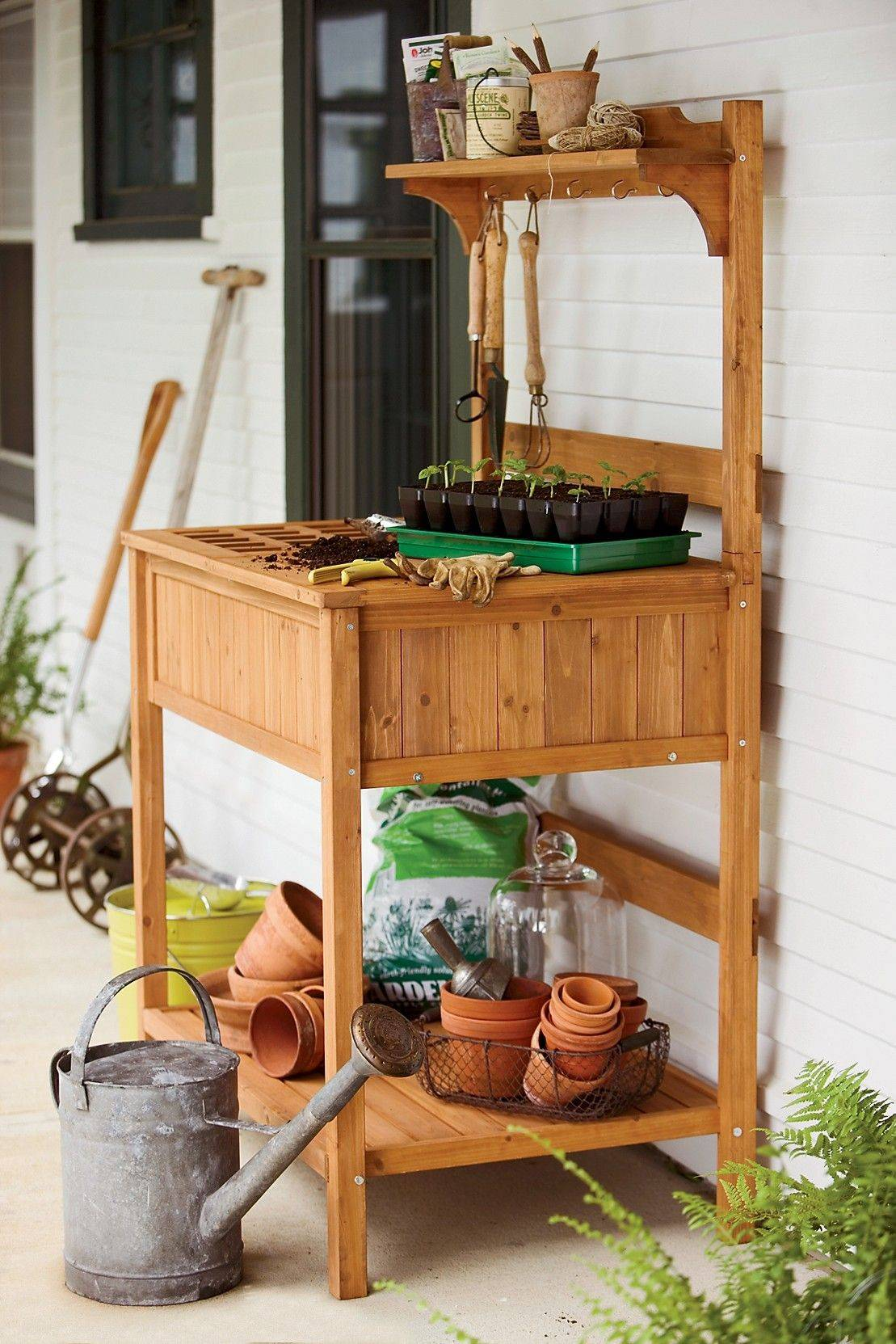Potting Benches Ease Work With Plants