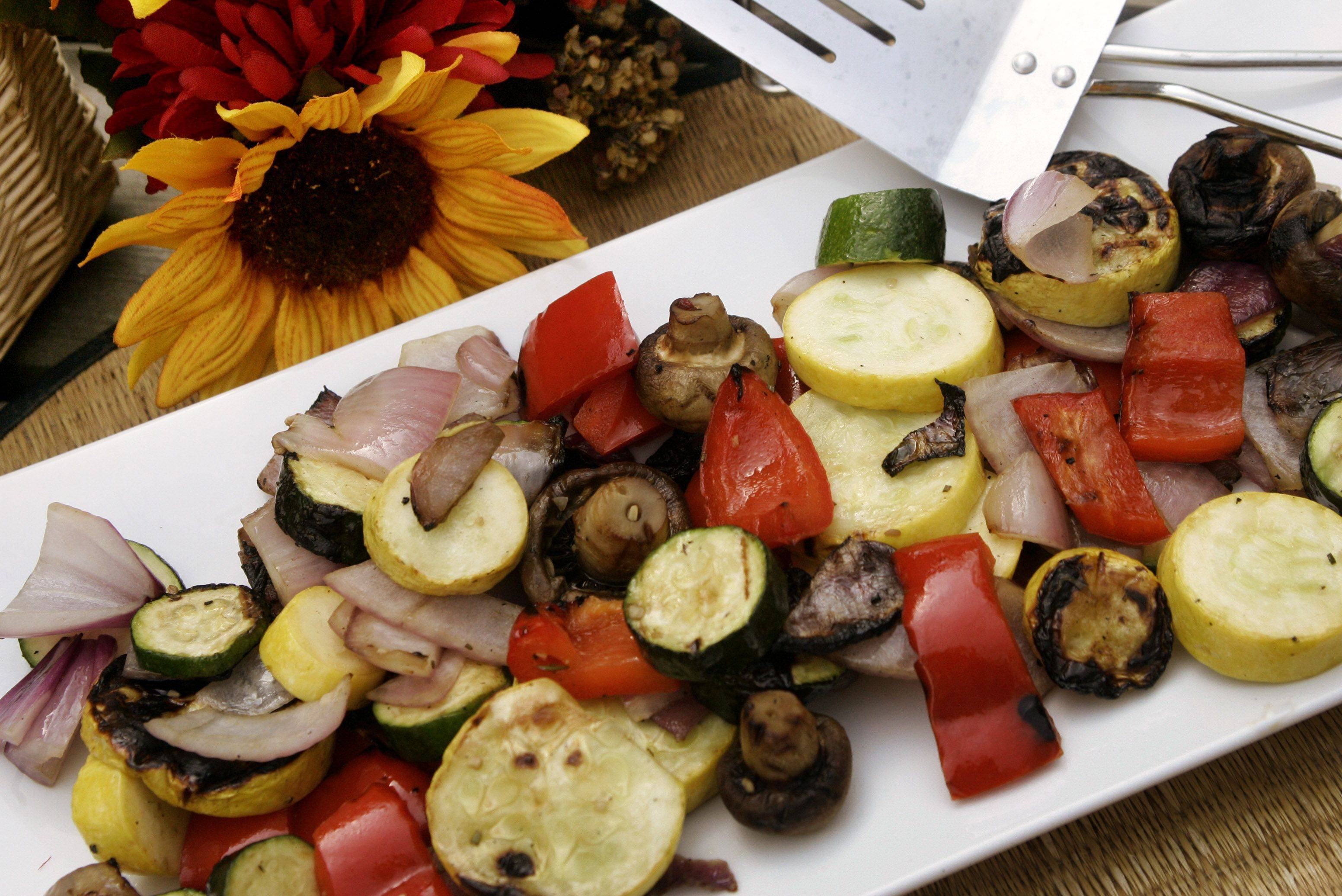 Gilbert R. Boucher II/gboucher@dailyherald.com � Toby Smithson column - grilled vegetables � �