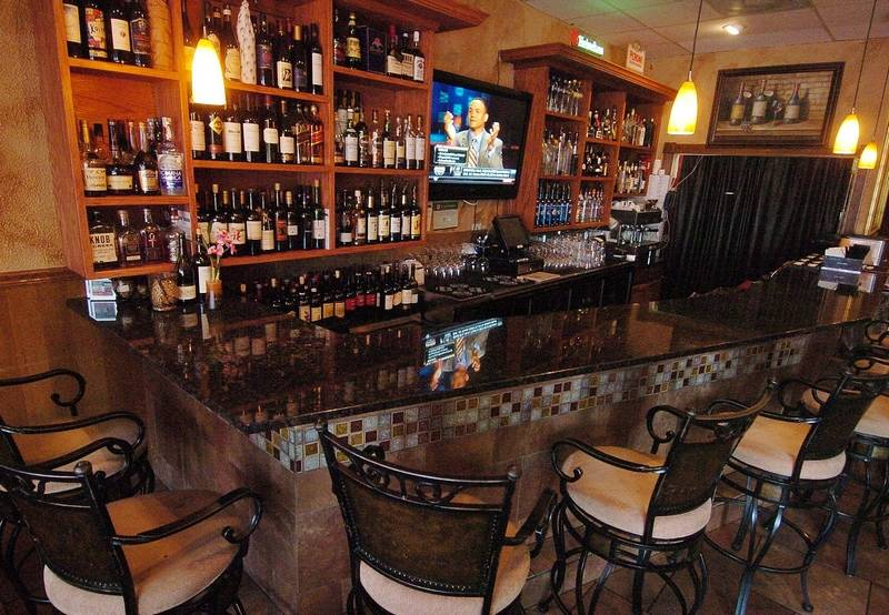 Mambo Italiano In Mundelein Is The Kind Of Cozy Italian Restaurant That Chains Try To Emulate
