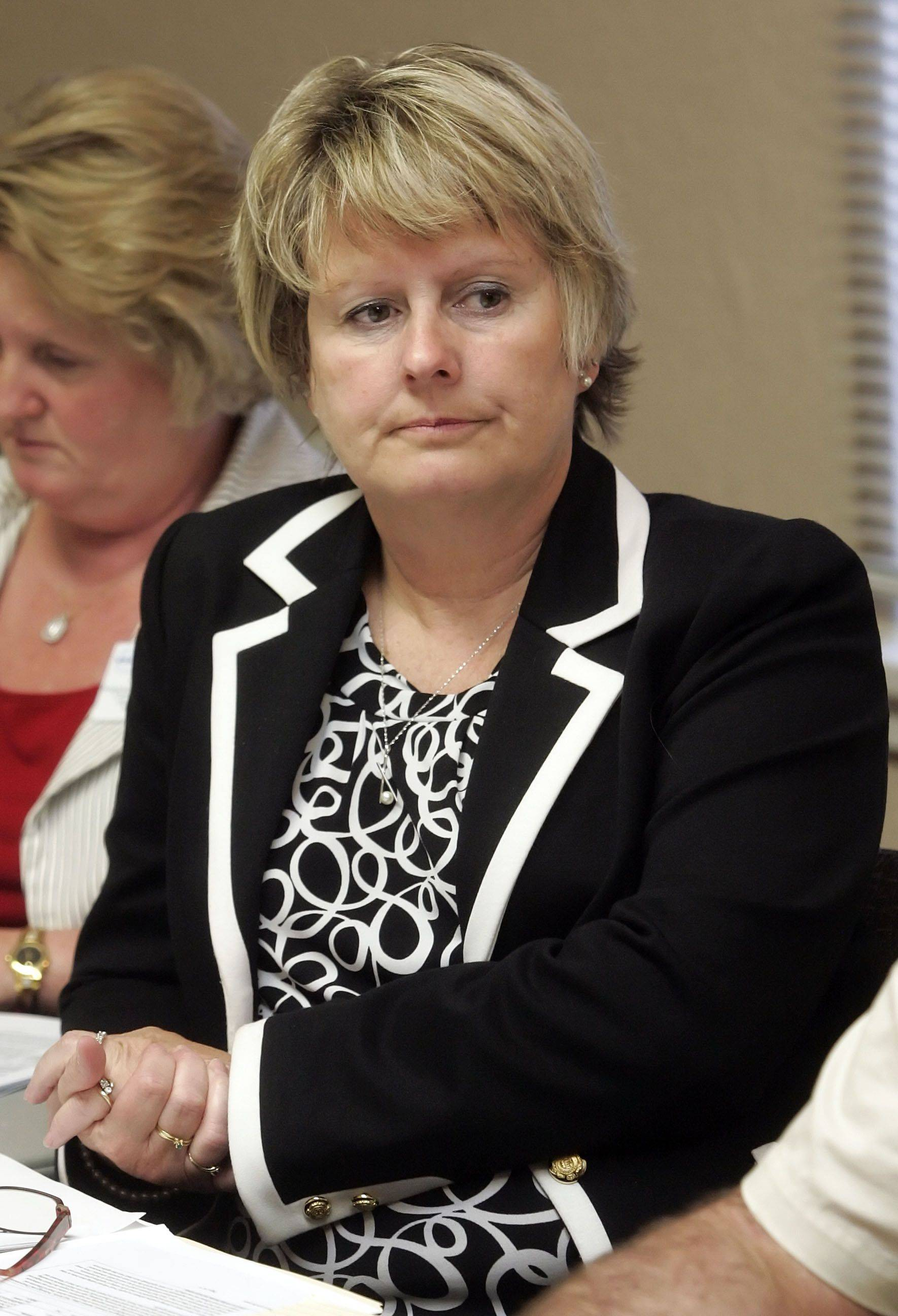 Grayslake D46 boss cleared in email complaint