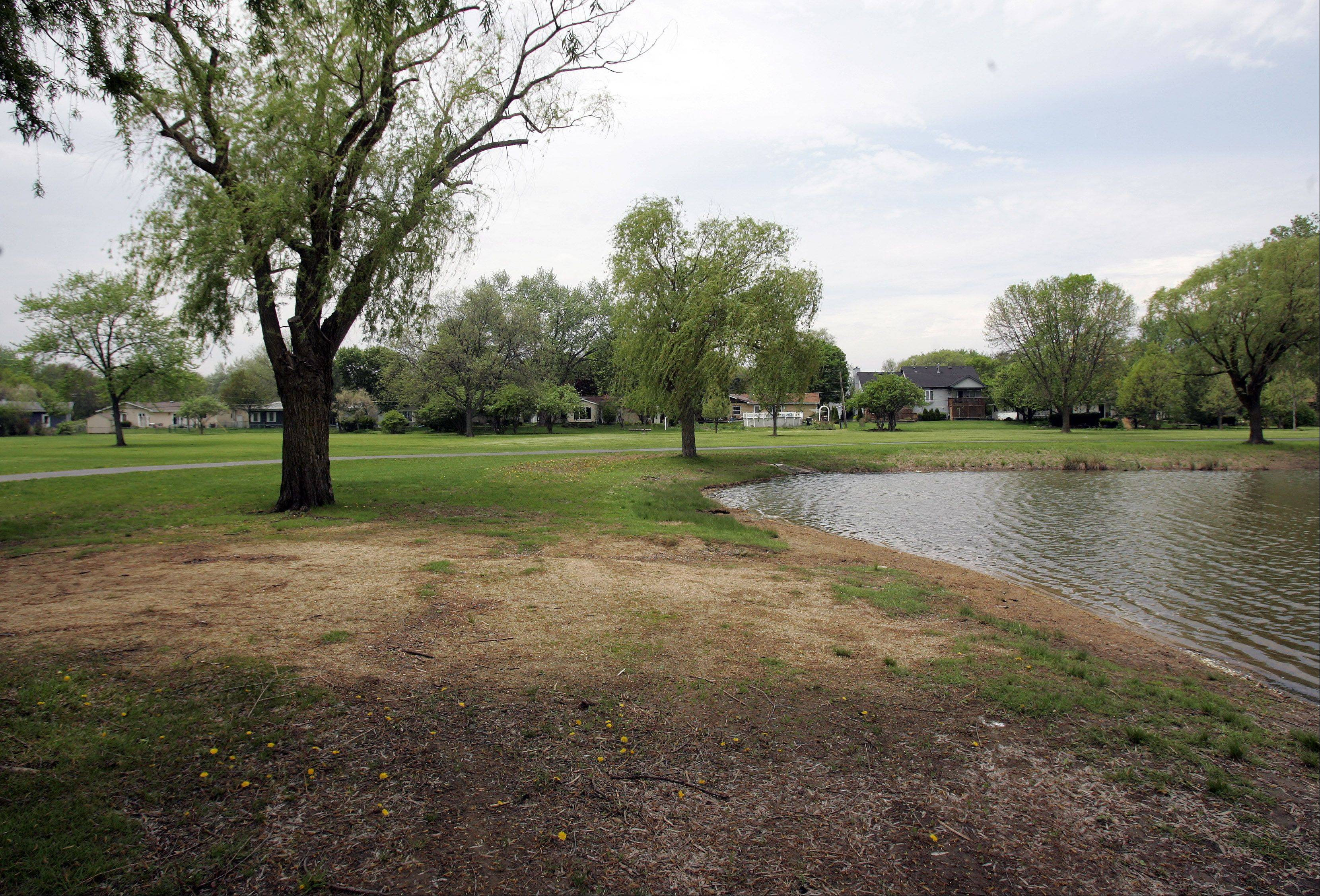 Installation of water reservoirs and a pumping station at Armstrong Park in Carol Stream took another step forward Monday after village trustees approved an intergovernmental agreement with the county and park district.