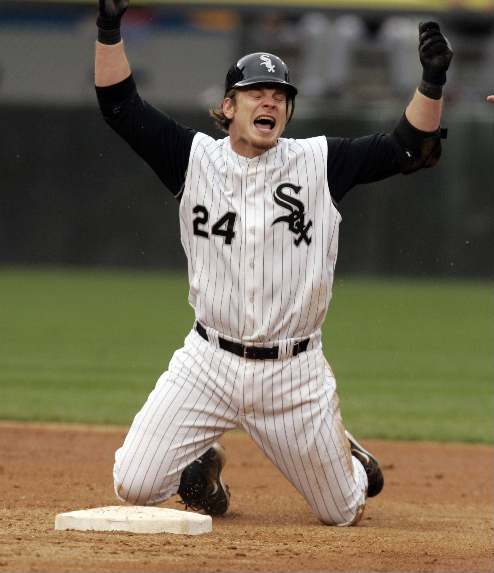 Joe Crede reacts after being called out at 2nd in the third inning trying for a double, Game one Chicago White Sox Vs Chicago Cubs at U.S. Cellular Field in Chicago. May 20, 2005.