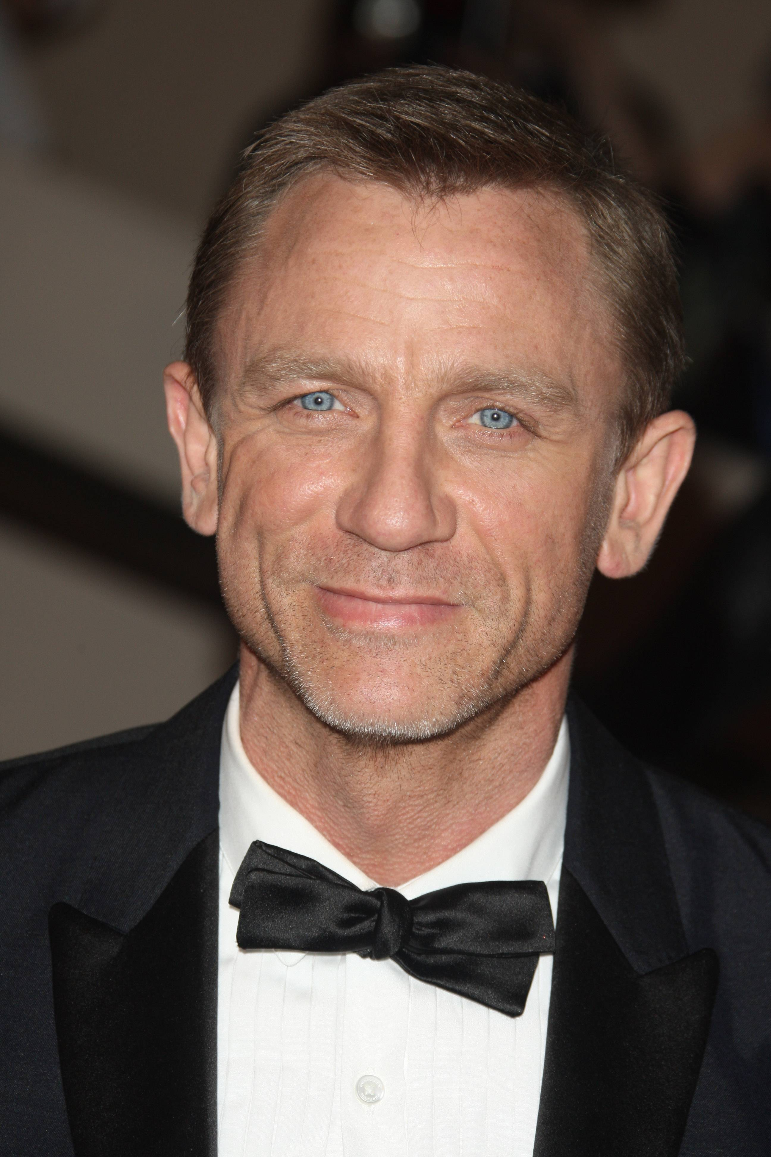 Daniel Craig and Rachel Weisz married after quietly dating.
