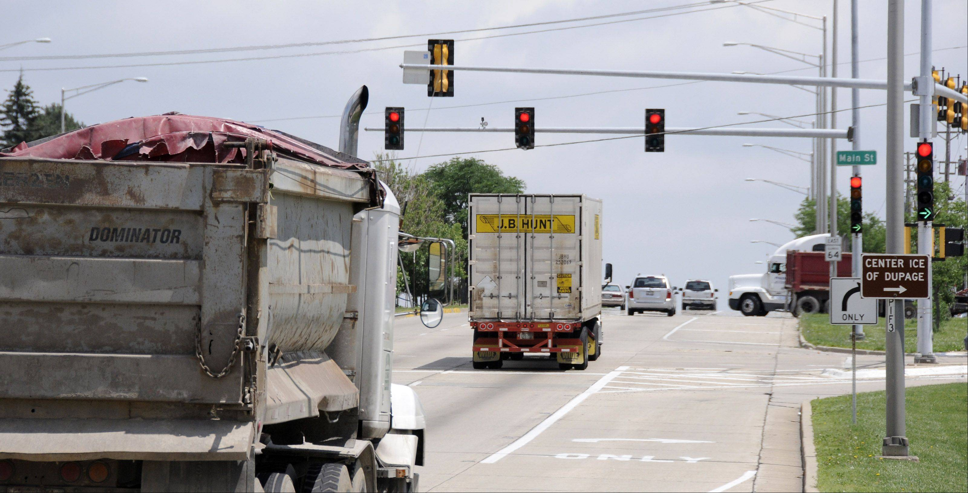 Glendale Heights will install its first red-light camera next year at North Avenue and Glen Ellyn Road.