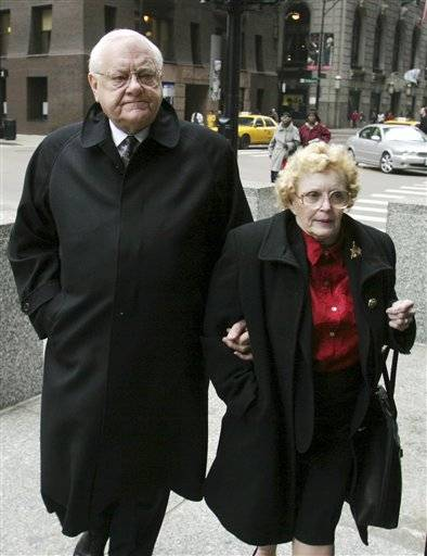 Lura Lynn Ryan, the wife of imprisoned former Illinois Gov. George Ryan has died at the age of 76.