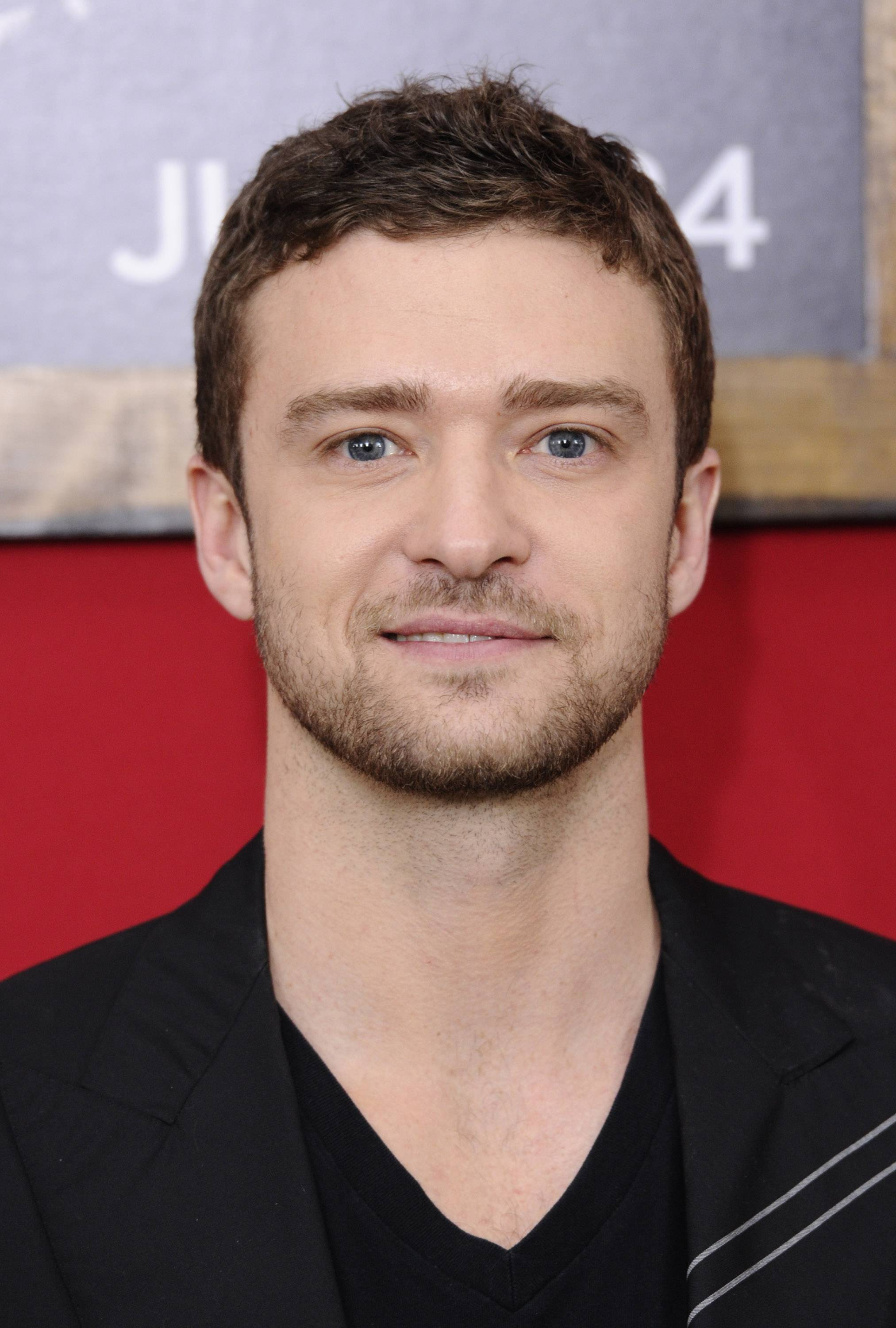 Pop star Justin Timberlake has joined a group buying MySpace in the hopes of reviving the downtrodden social media website.