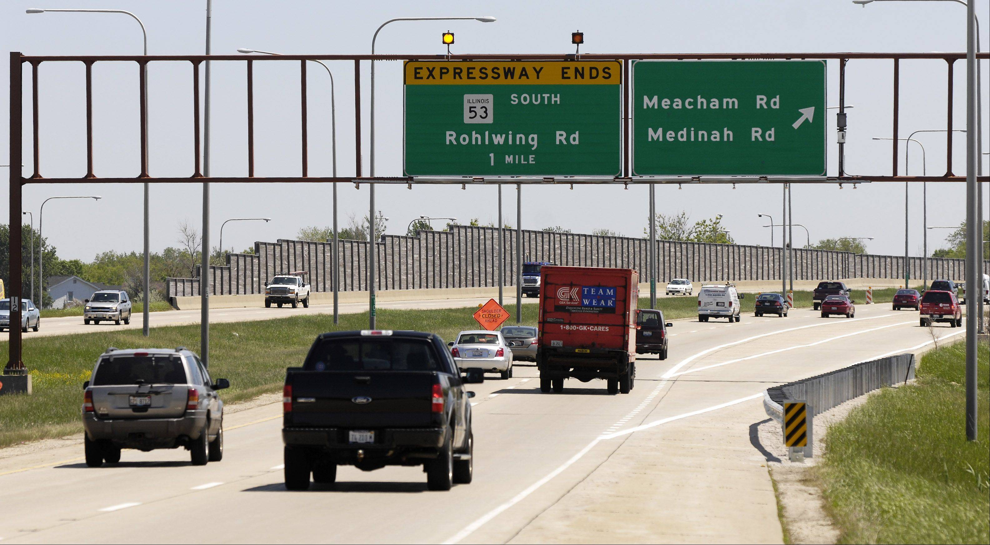 A sign shows one end of the Elgin-O�Hare Expressway, which stretches between Itasca and Hanover Park, but never reaches Elgin or O�Hare International Airport.