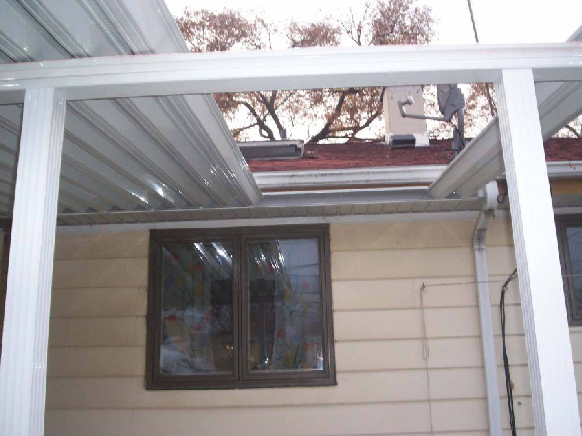 Des Plaines resident Susan Czach paid Godfather Construction for roof repairs, siding work and an awning for her patio that was never completed. The contractor left awning panels in her yard and a hole in her patio roof and never returned.