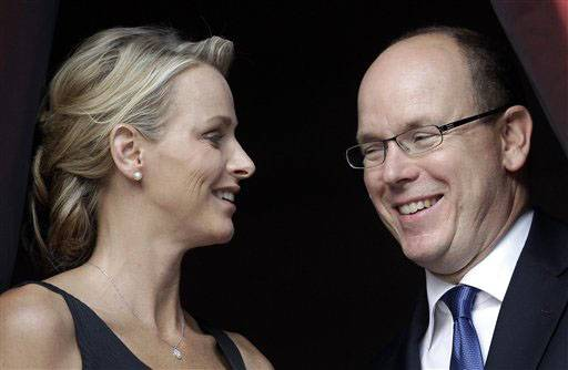 Prince Albert II of Monaco has wed his fiancee Charlene Wittstock.
