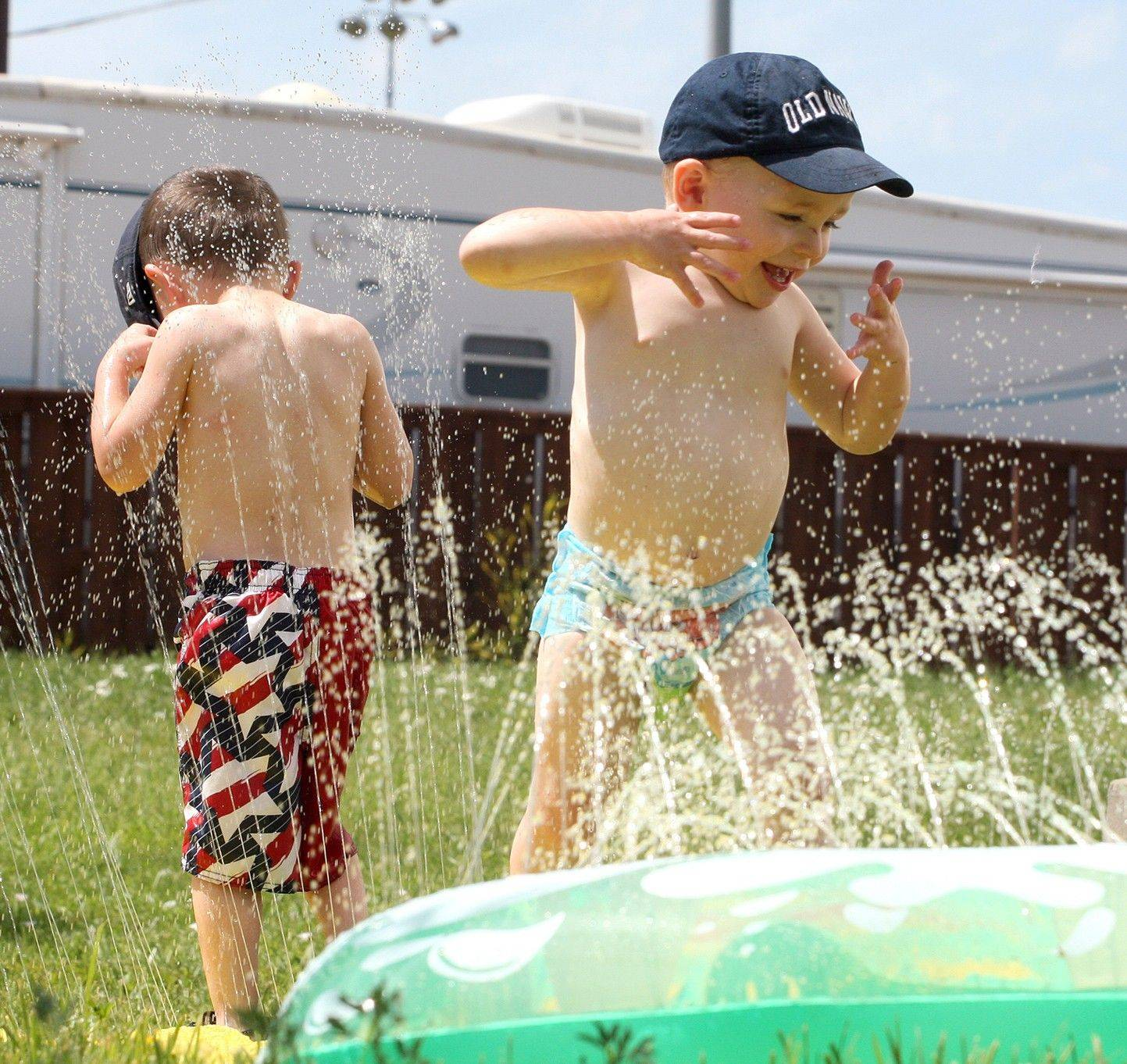 Suburbs bracing for heat wave today