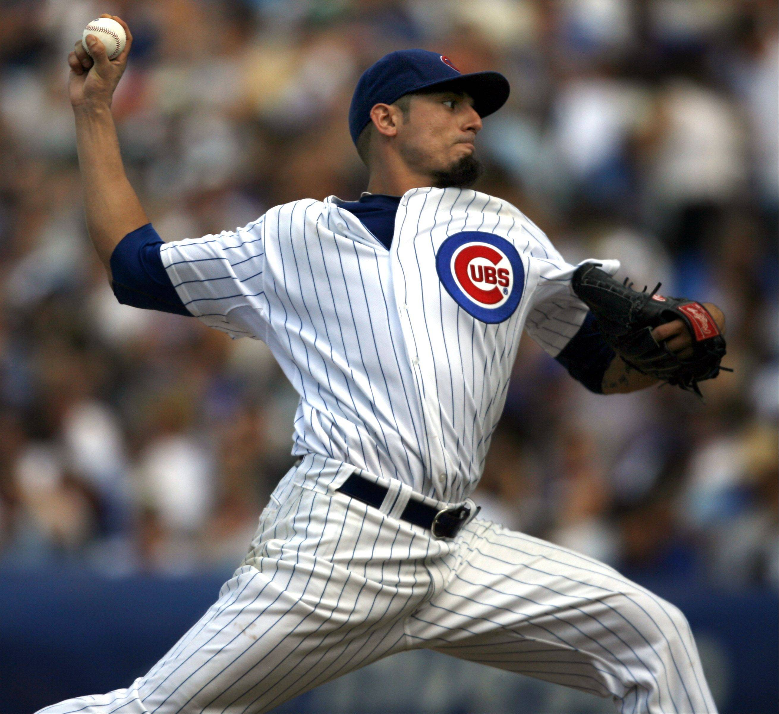 Cubs pitcher Matt Garza loses 1-0 against the White Sox at Wrigley Field on Saturday.
