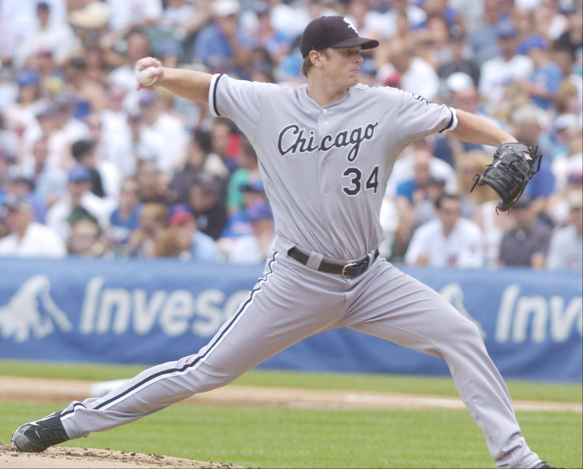 White Sox starter Gavin Floyd delives against the Cubs during Sunday�s game at Wrigley Field.