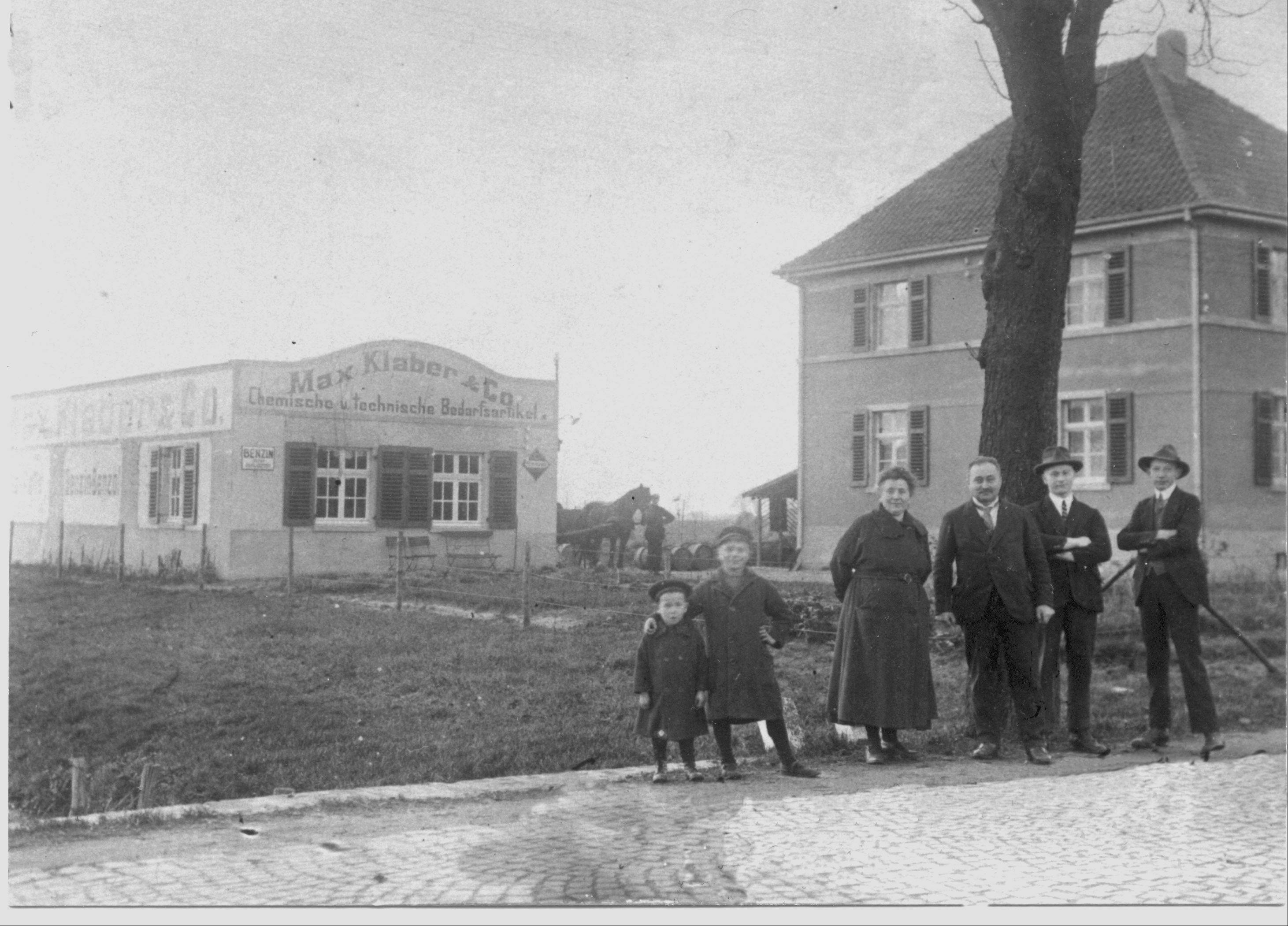 The Klaber family on Gemener Strasse in front of their house and their oil business. The street is now called Ahauser Strasse.