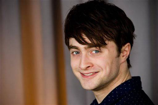 Harry Potter star Daniel Radcliffe says he has given up drinking alcohol after realizing he was partying too hard.