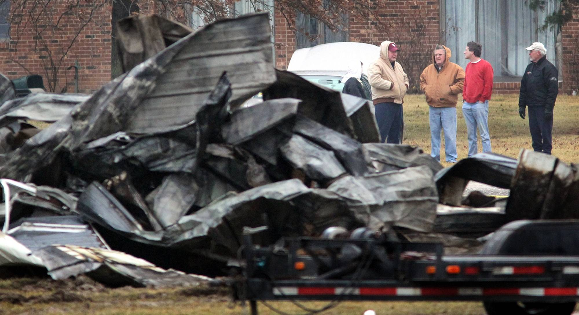 Federal investigators say pilot error was to blame for the fatal crash that killed two people the night of Feb. 21, 2010.