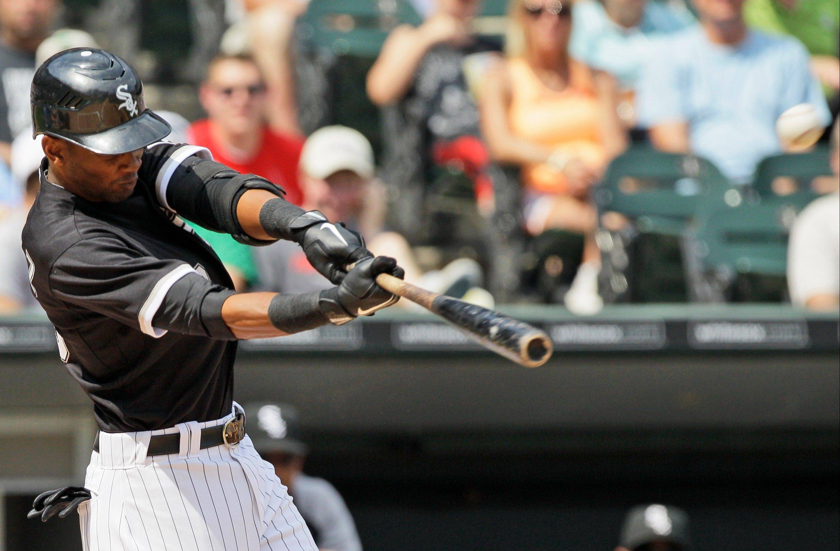 Alexei Ramirez hits a solo home run during the first inning of the White Sox' victory over Minnesota on Saturday.