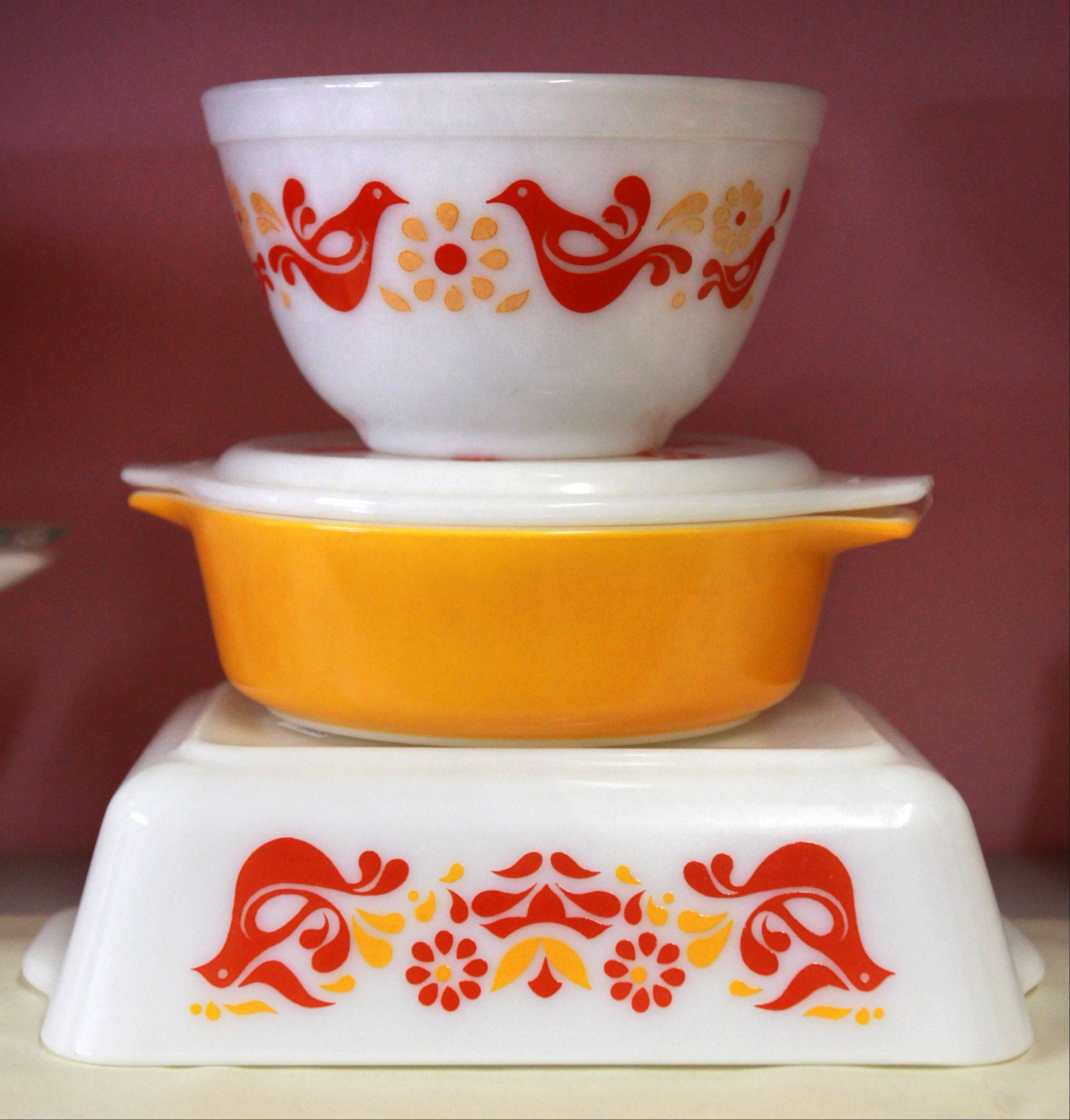 Pyrex bowls in friendship pattern at Jazz'e Junque accessory store in Chicago.