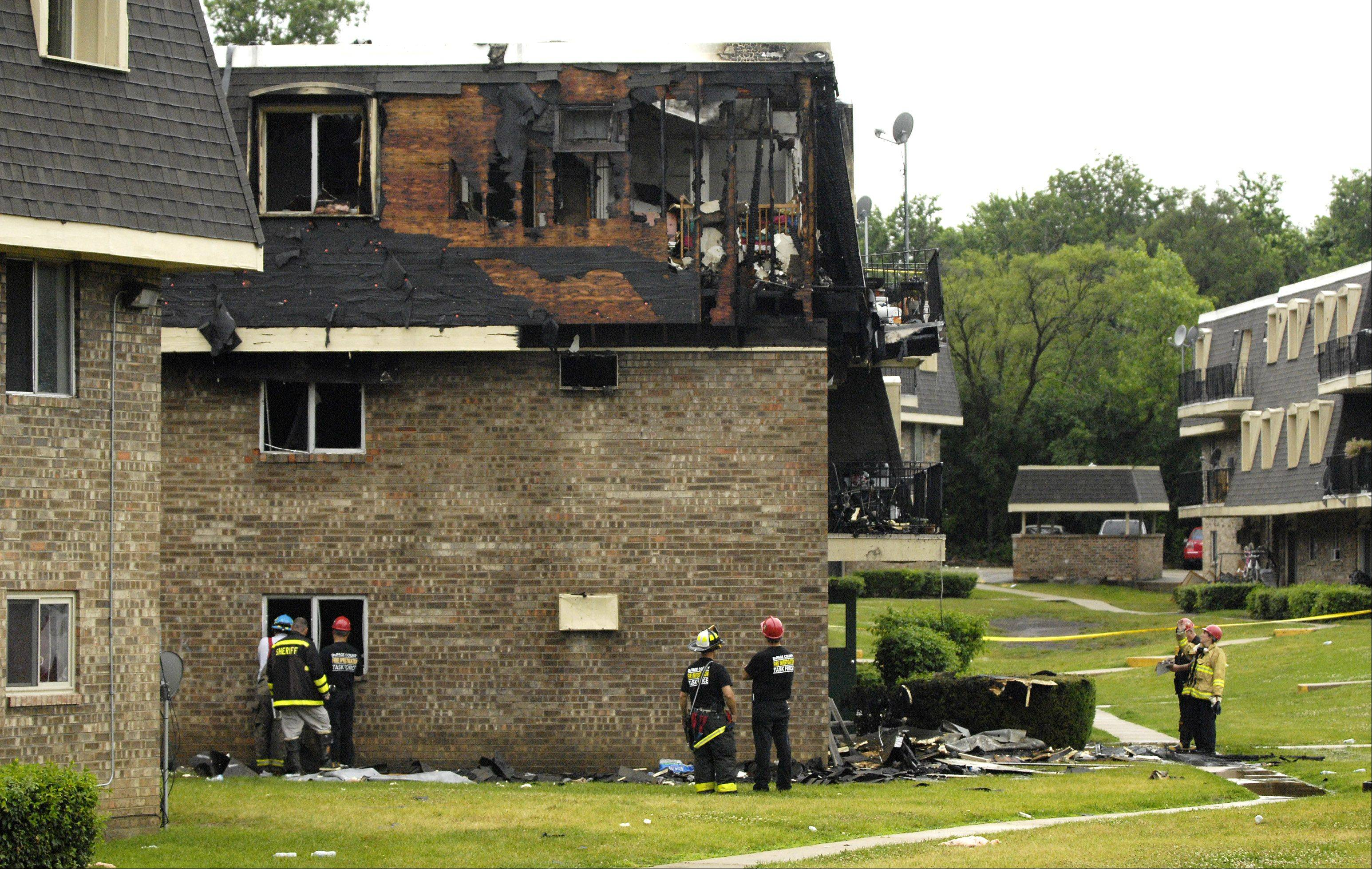 Fire investigators say an electrical malfunction sparked an early Monday morning fire on the 500 block of Carriage Drive in the Aspen Ridge Apartment complex in West Chicago.