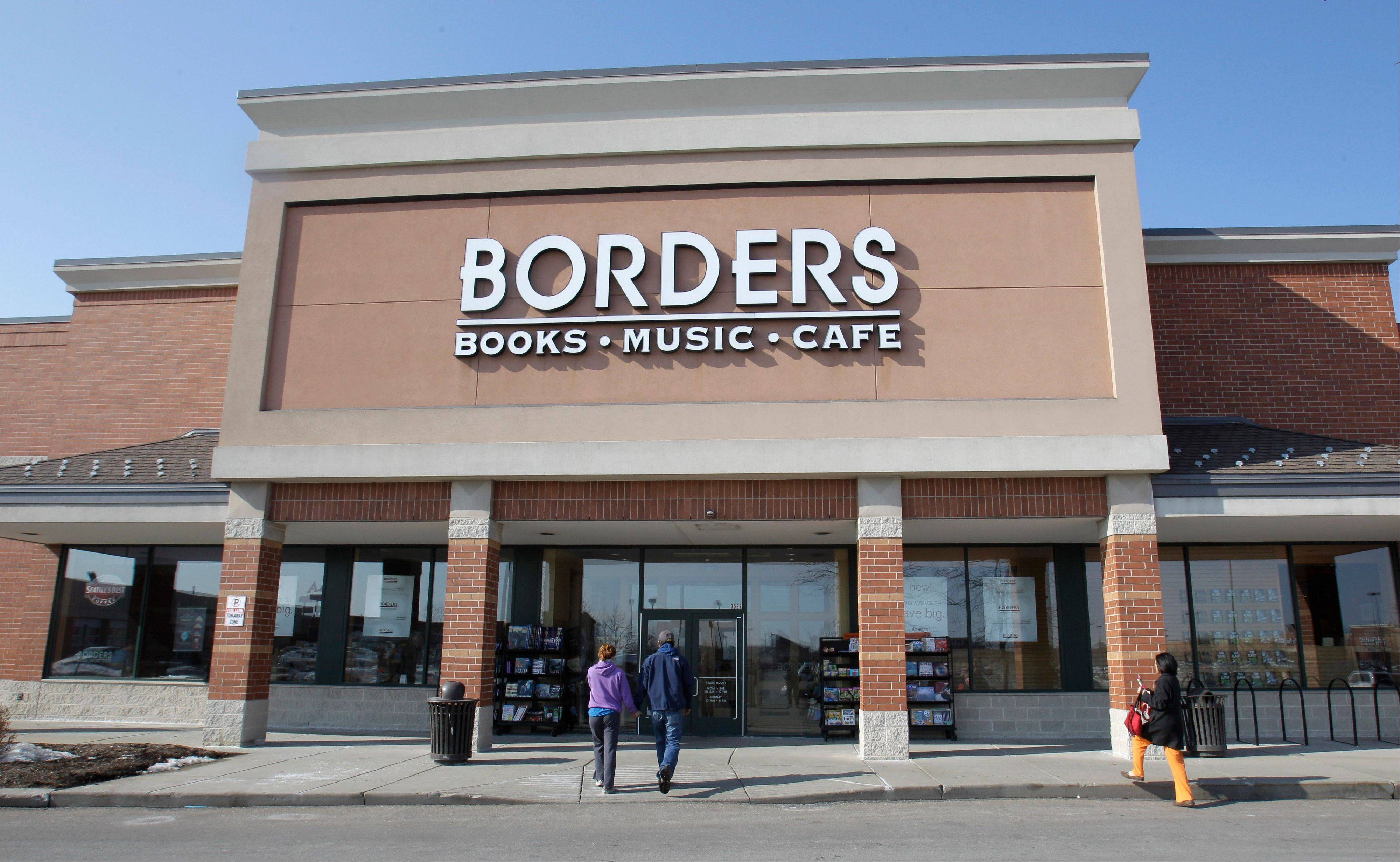 Borders Group teetered on the brink of liquidation Thursday after an offer from a private-equity investor disintegrated.