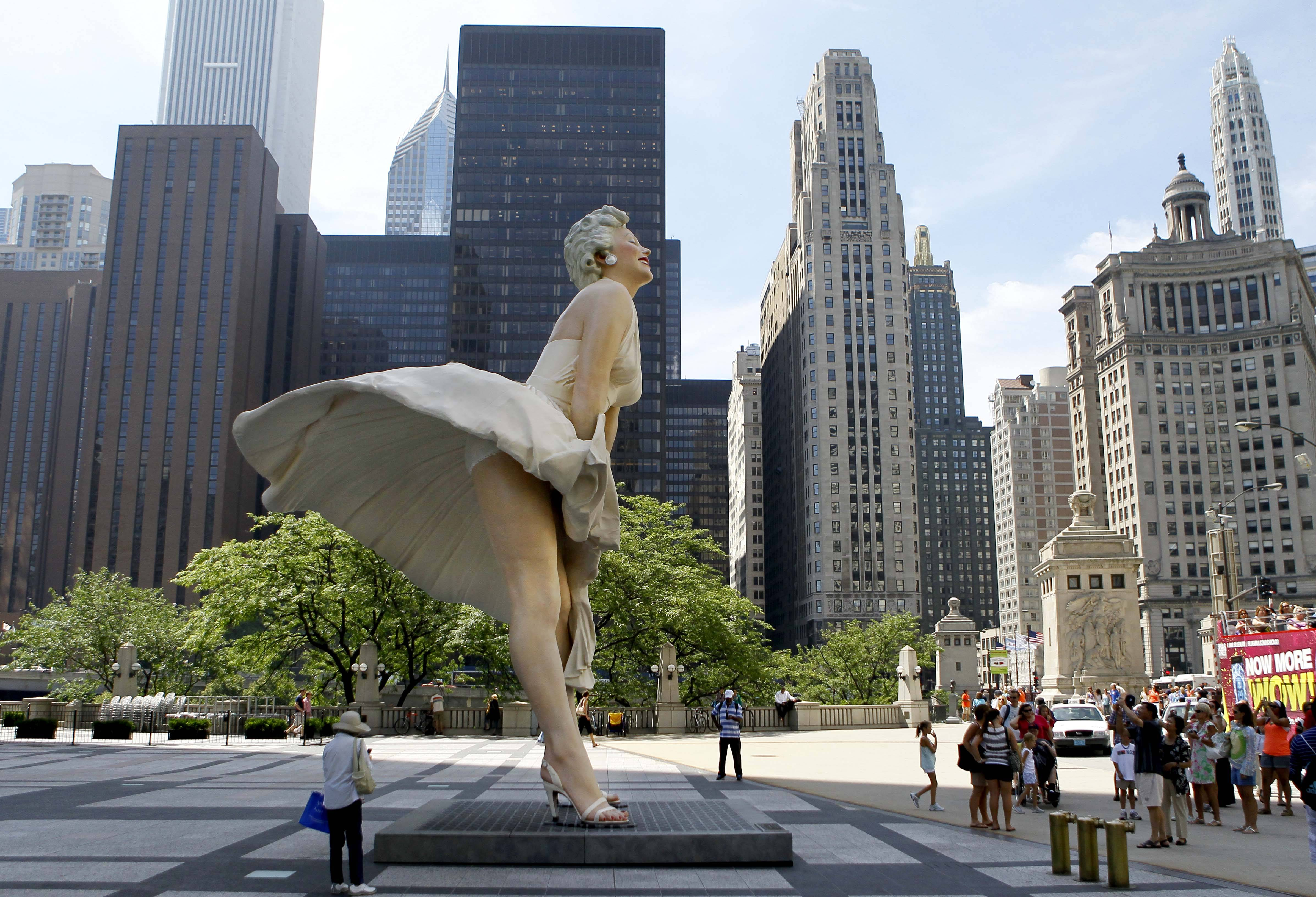 Sculpture of Marilyn enjoying breeze unveiled