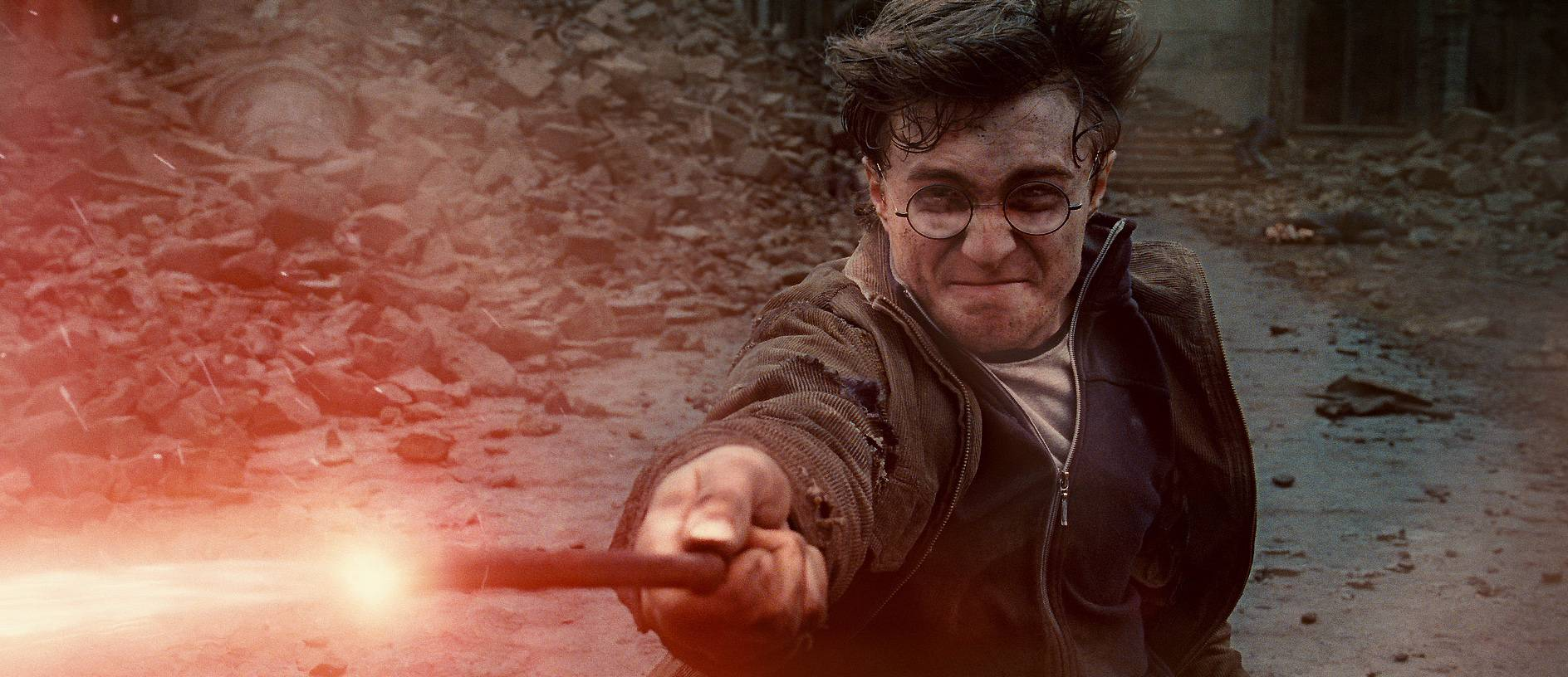 "The ""Harry Potter"" finale topped the previous best domestic debut of $158.4 million for ""The Dark Knight."""