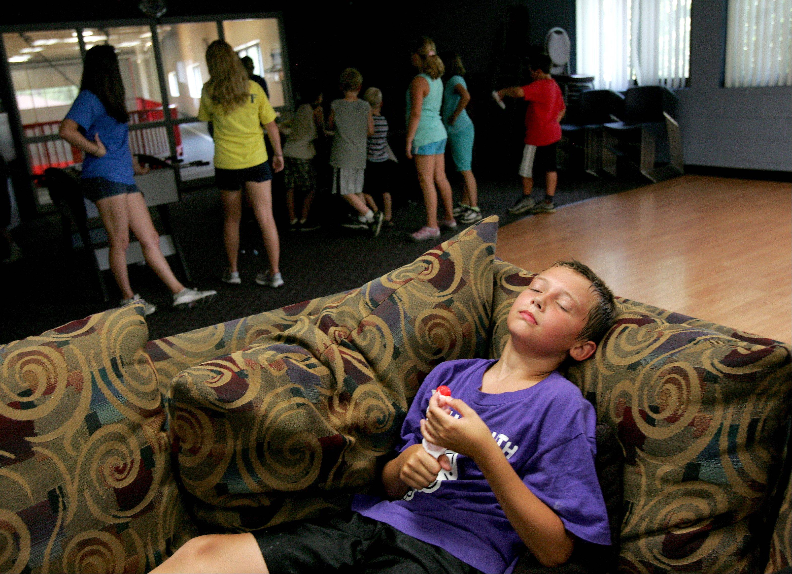 Heat wave forcing DuPage summer campers inside